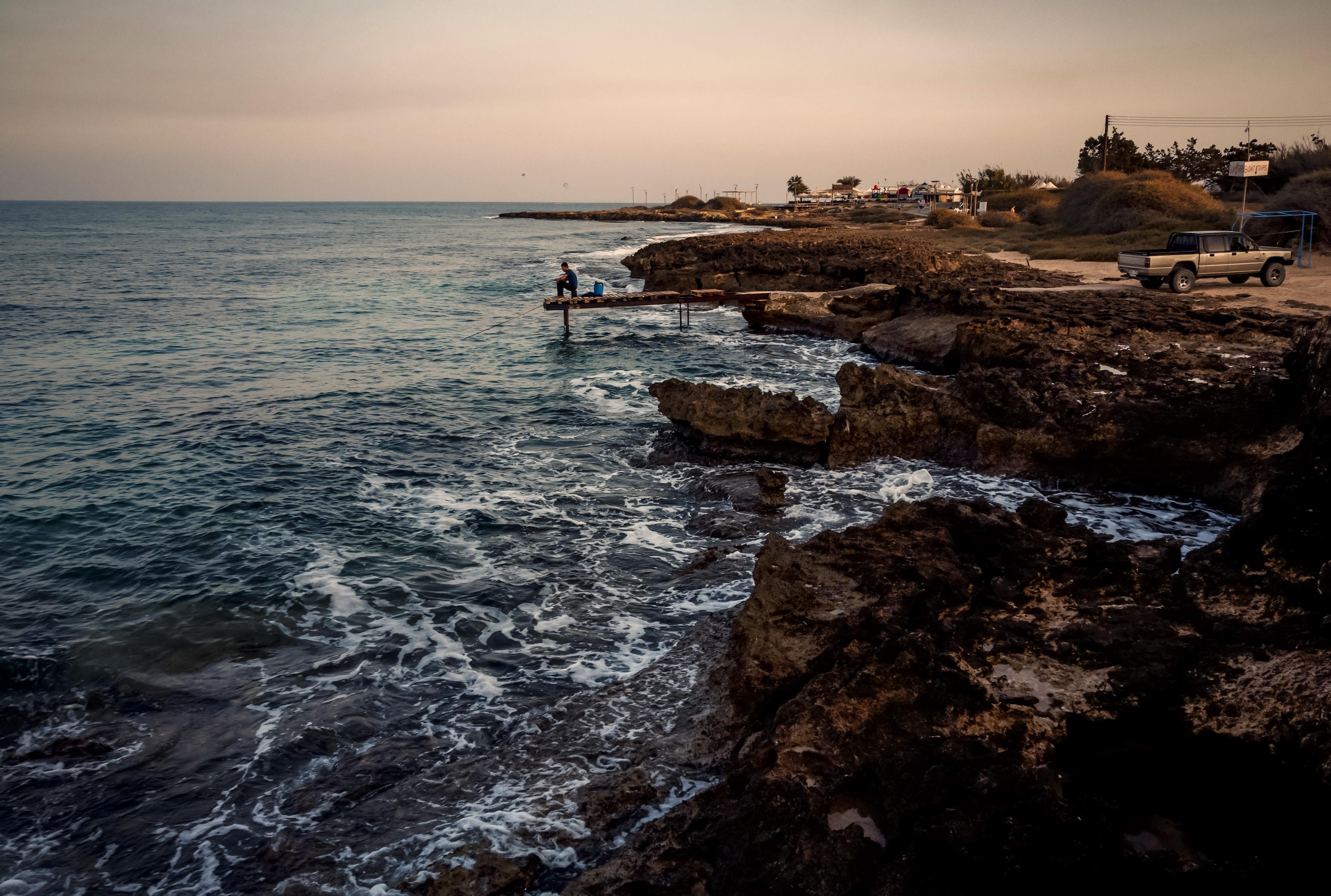Szerdára elérheti Ciprust a szíriai olajfinomítóból származó oljafolt