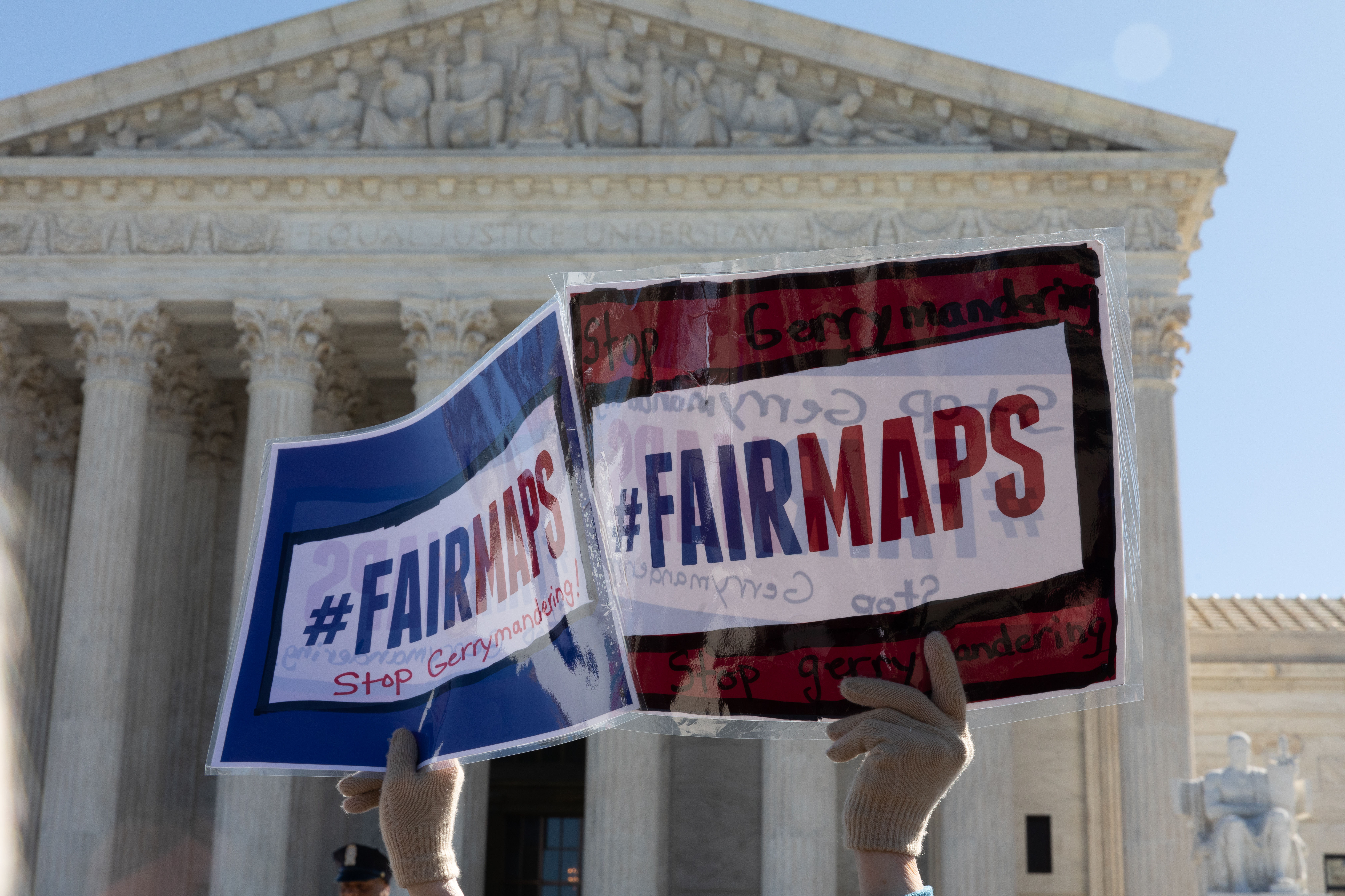 Az amerikai Legfelsőbb Bíróságtól a politikusok kedvükre átrajzolhatják a választási térképeket