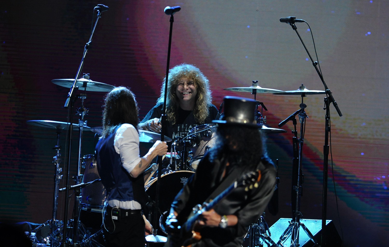 Hasba késelte magát a Guns N' Roses egykori dobosa
