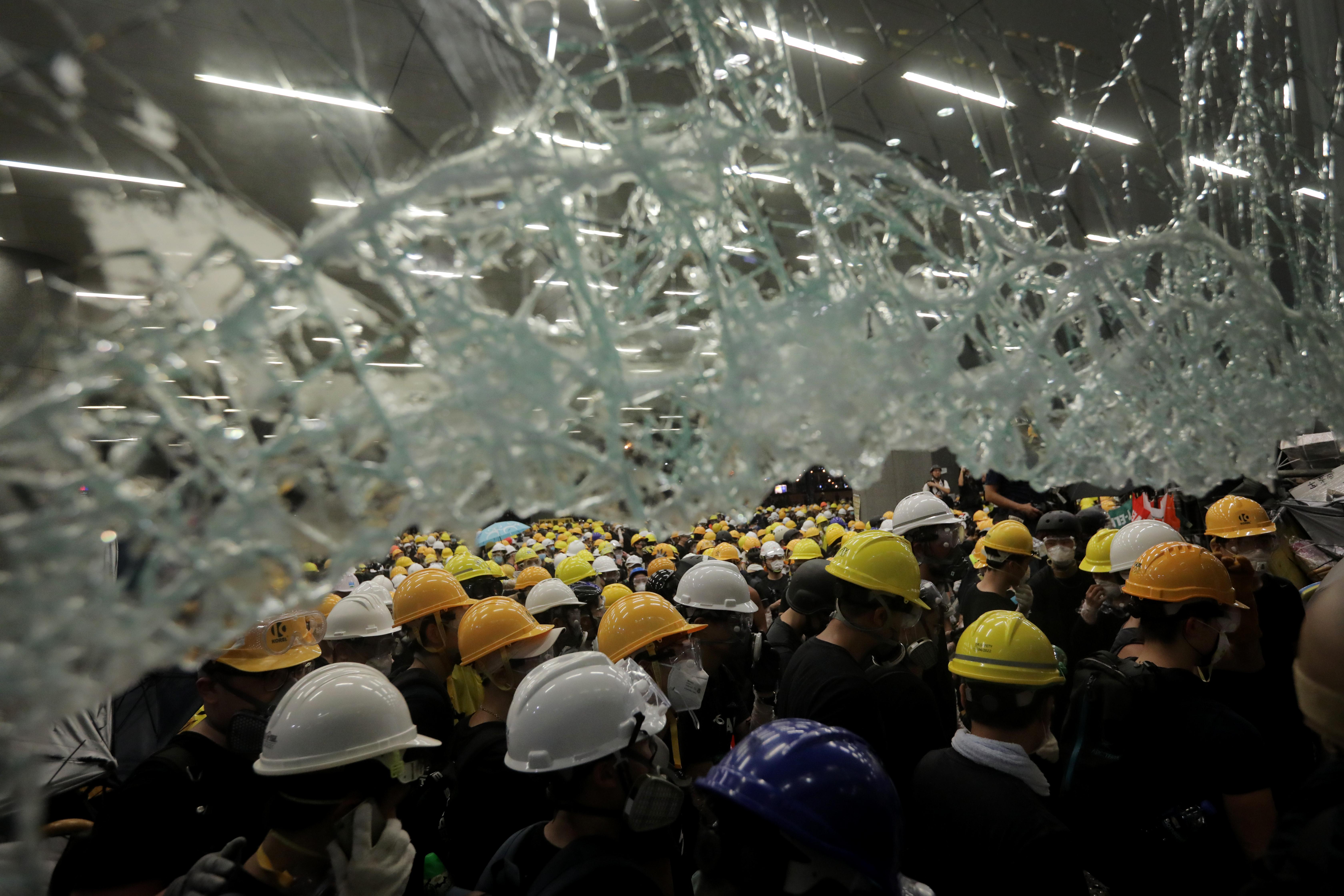 Halottnak nyilvánította a kiadatási törvényt Hongkong vezetője