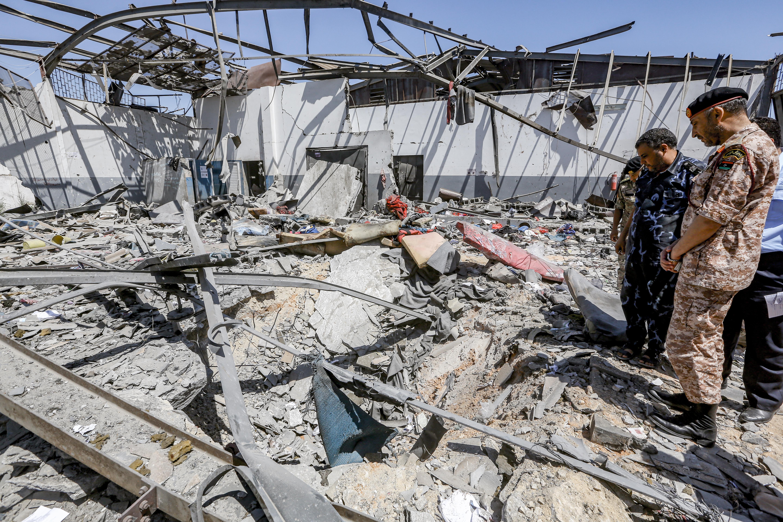 ENSZ: háborús bűncselekmény a líbiai menekülttábor elleni légicsapás