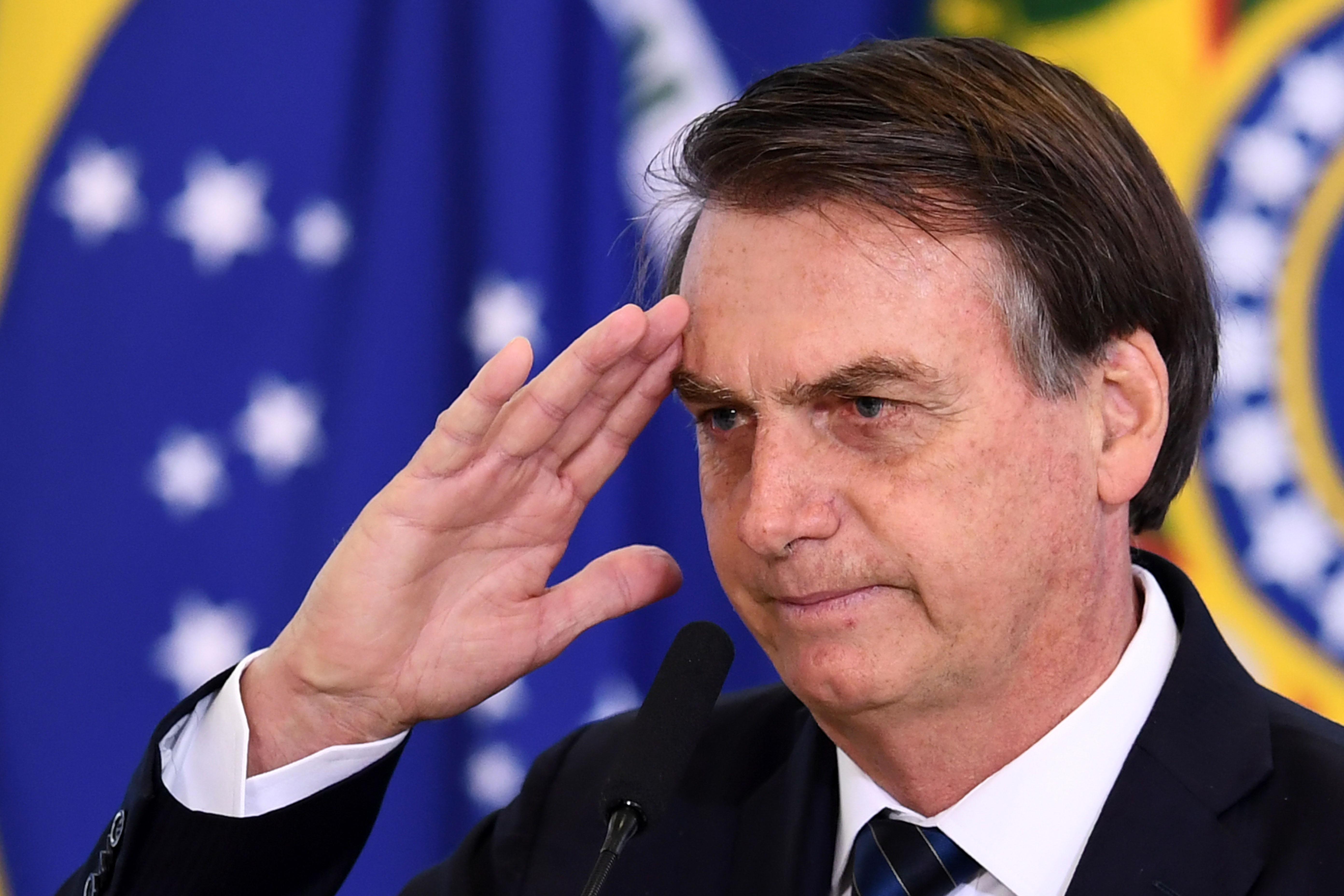 Bolsonaro szerint az erdőtüzek ellen fellépő G7-országok úgy kezelik Brazíliát, mintha gyarmat vagy senki földje lenne