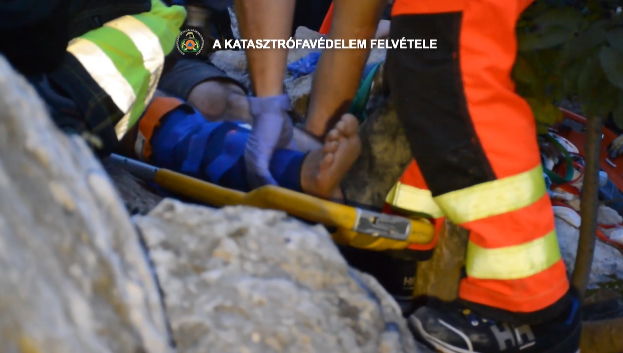 Négy métert zuhant egy túrázó a Róka-hegyi kőbányában