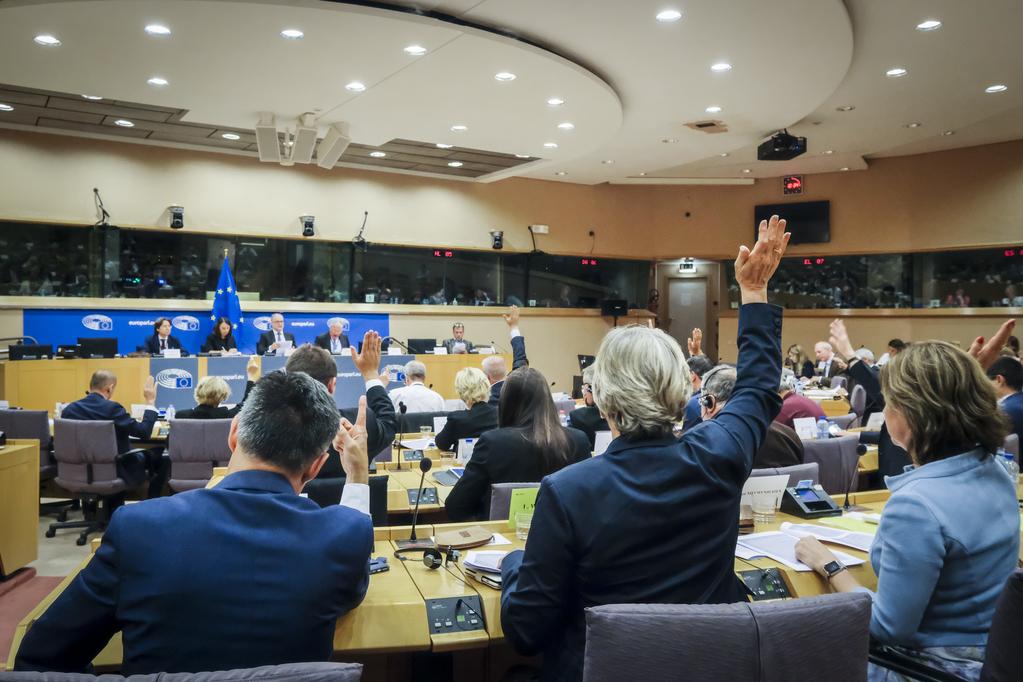Ötből három fideszest nem választottak meg az Európai Parlament szakbizottságainak vezetésébe