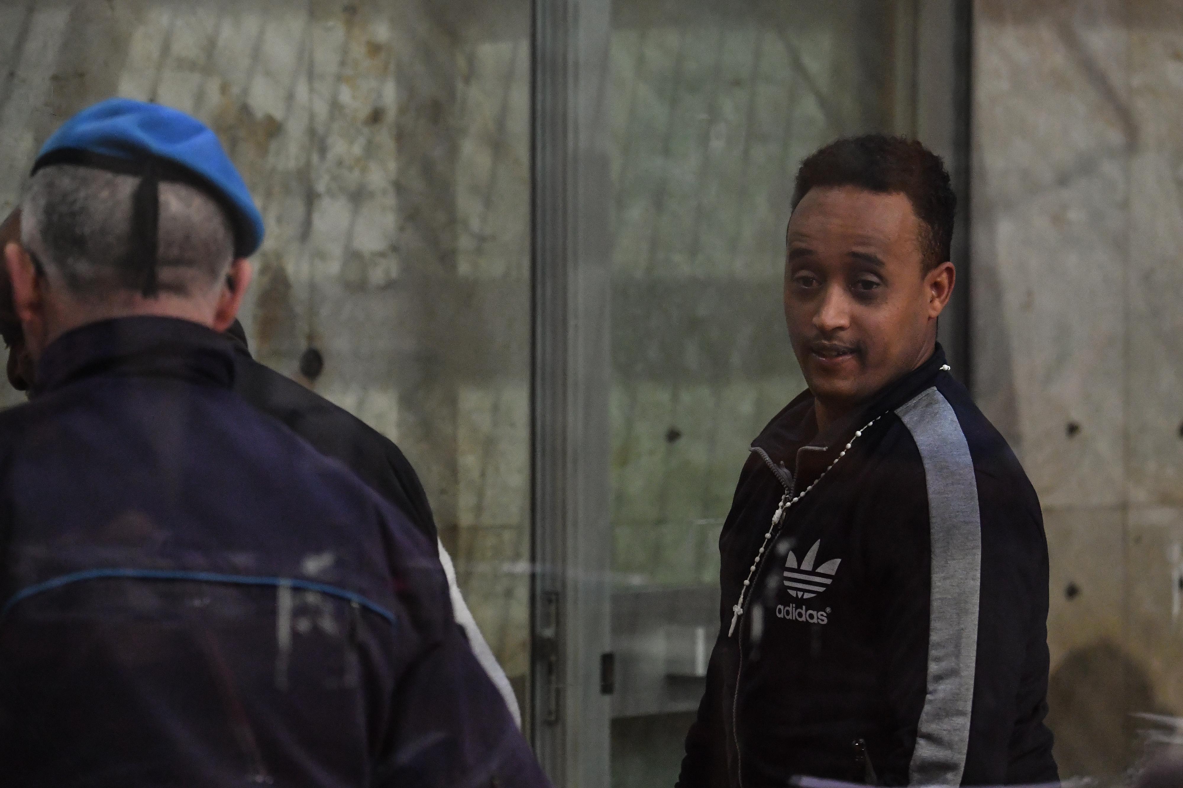 Kiengedték a börtönből az eritreai férfit, akit a világ legkeresettebb embercsempészével tévesztettek össze