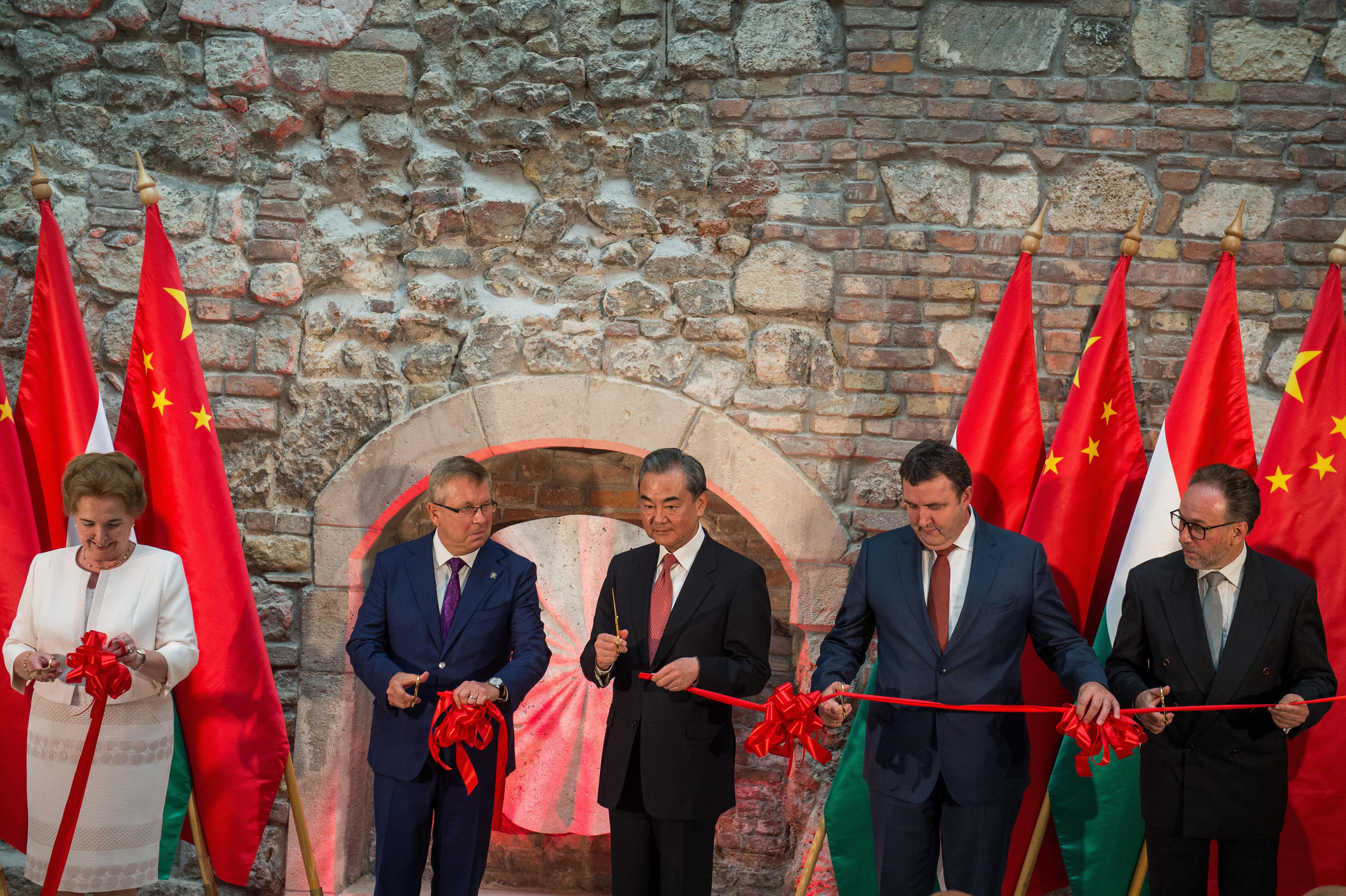 """Fekete Péter a Rákosi-rendszer és a kommunista Kína közti barátságról: """"örökségüket mi visszük tovább, mi folytatjuk"""""""