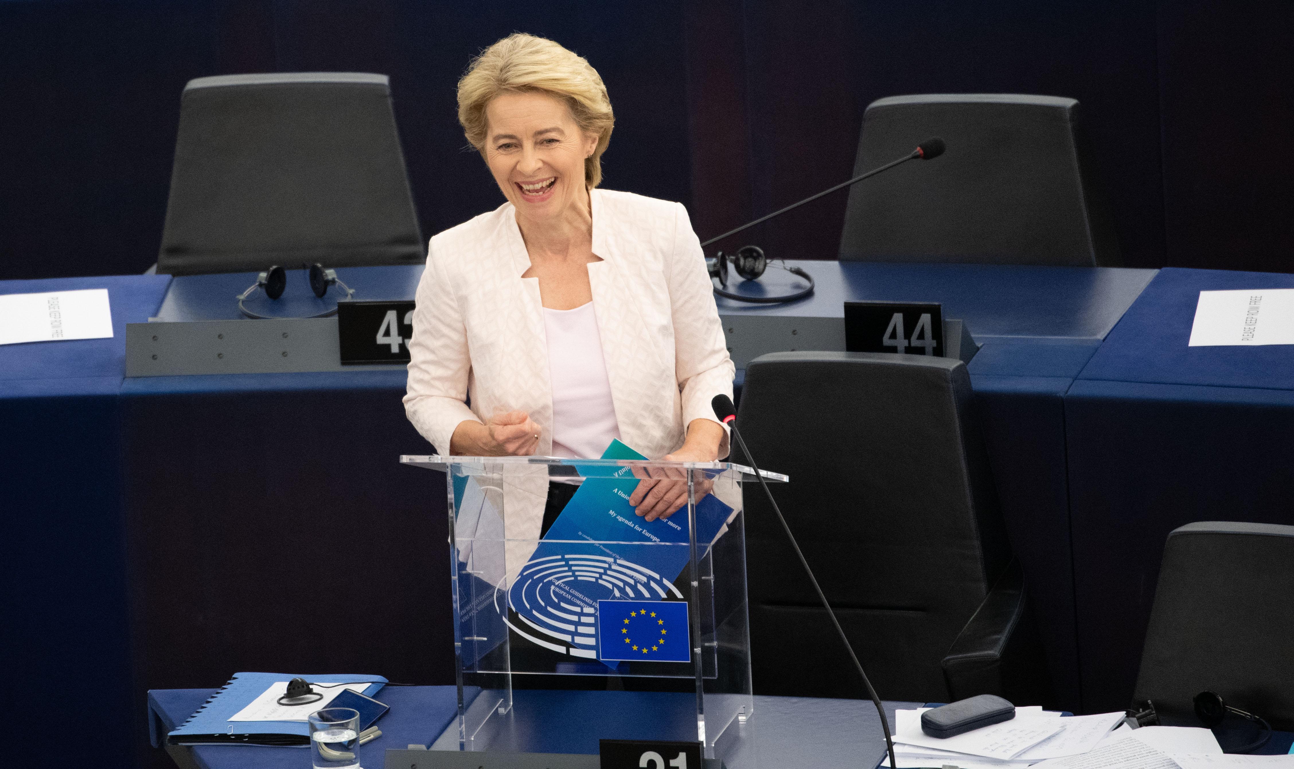 Elkezdődött a szavazás Strasbourgban Ursula von der Leyenről