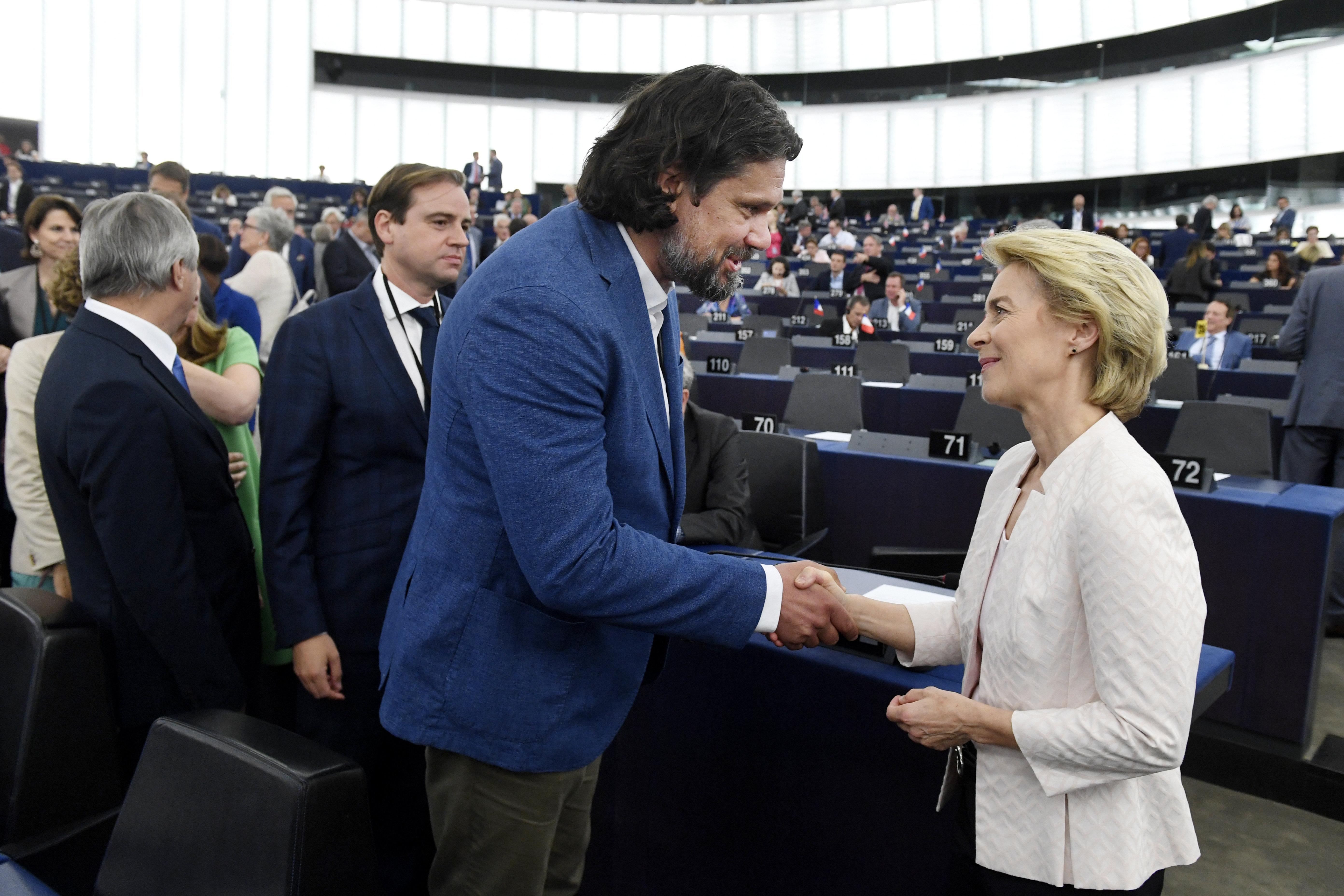 Fidesz: Megelőlegeztük a bizalmat von der Leyennek, de vannak elvárásaink
