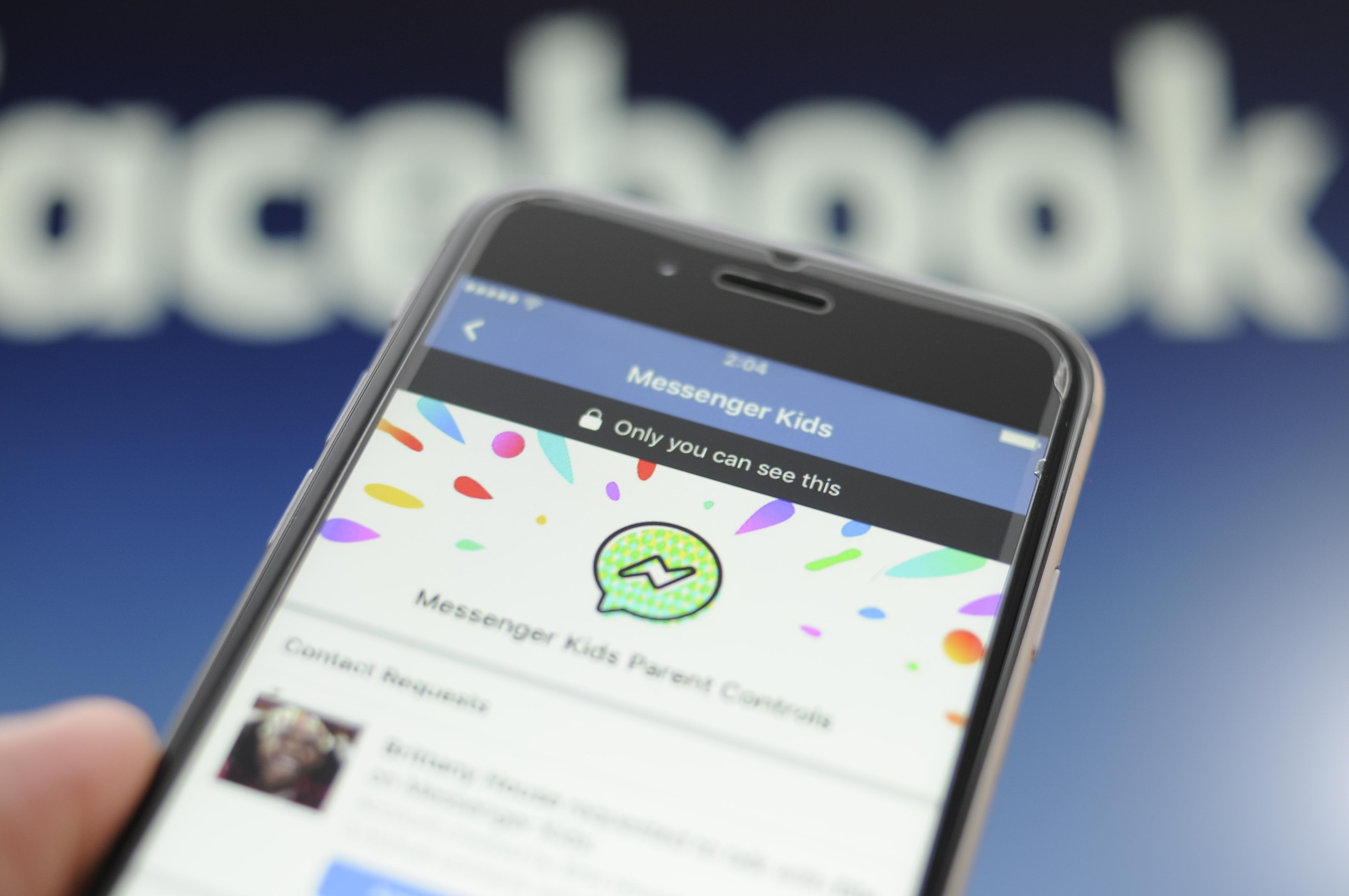 Egy tervezési hiba miatt idegen felnőttek léphettek kapcsolatba gyerekekkel a Facebookon
