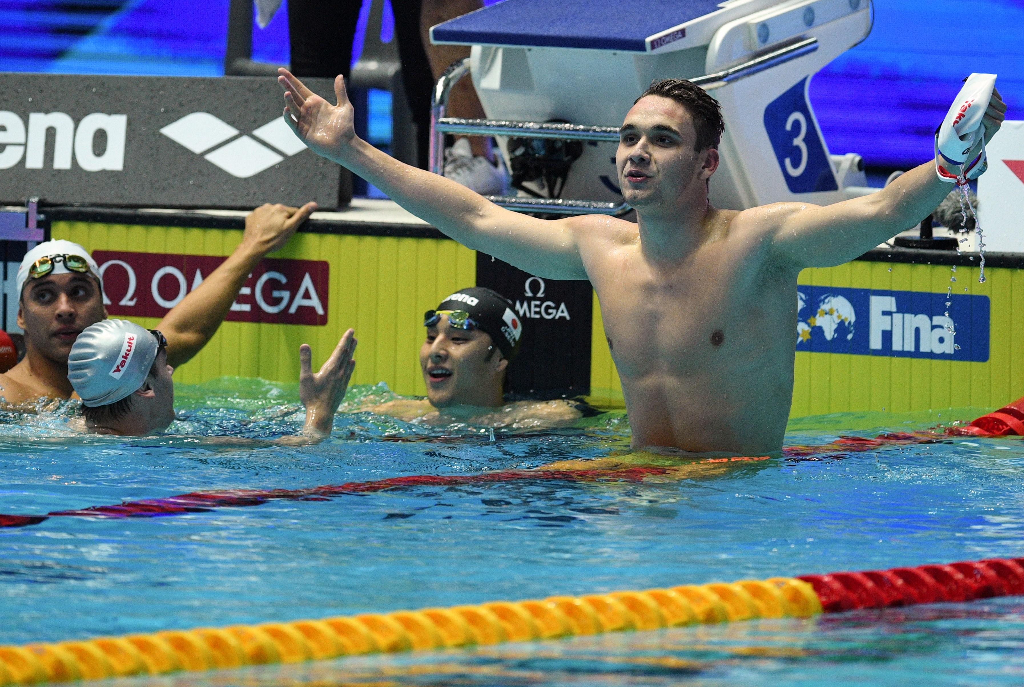 """""""Emelem kalapom"""" - üzente a rekordját megdöntő Miláknak Michael Phelps"""