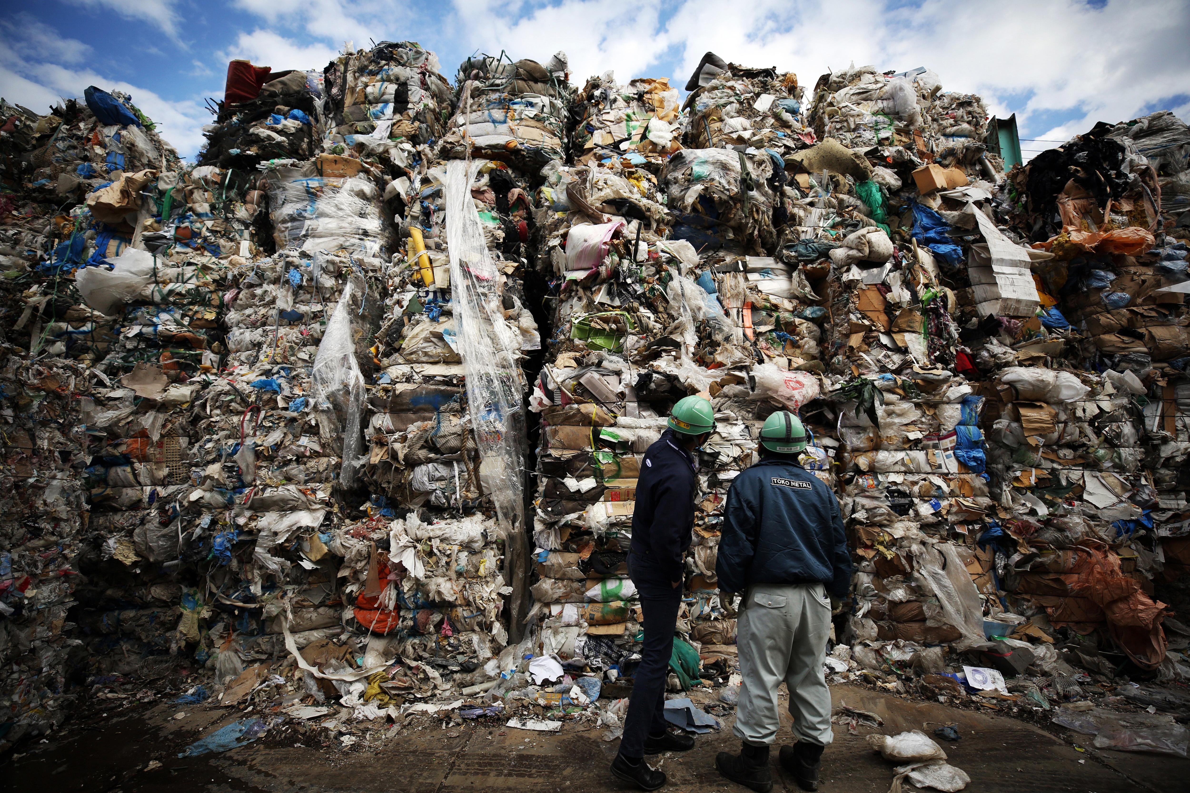 Kína, a világ legnagyobb műanyagtermelője betiltja az egyszer használatos műanyagot