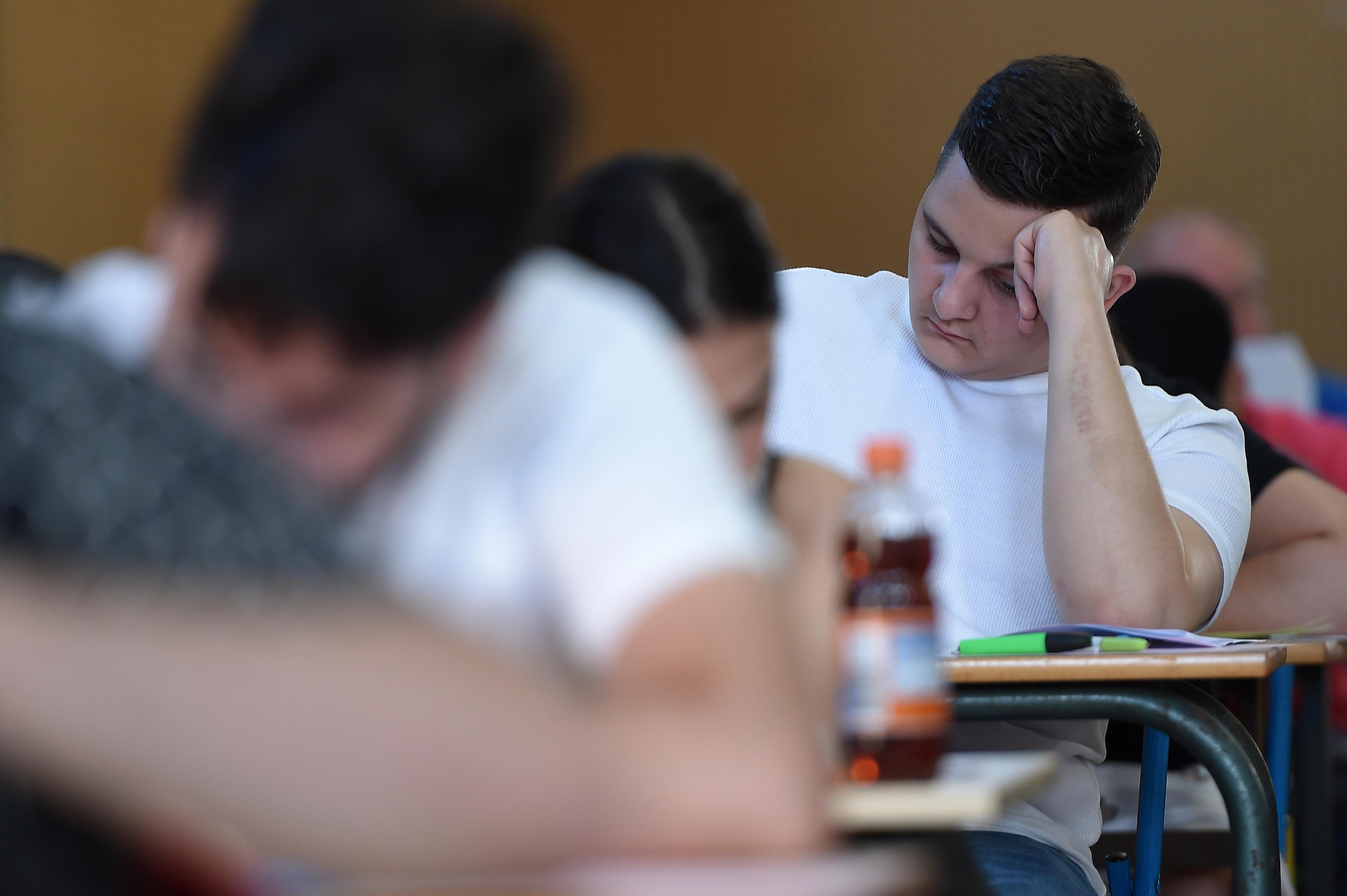 Az egyetemi felvételik szigorítása ellenére sem ugrott meg nyelvvizsgákra jelentkezők száma