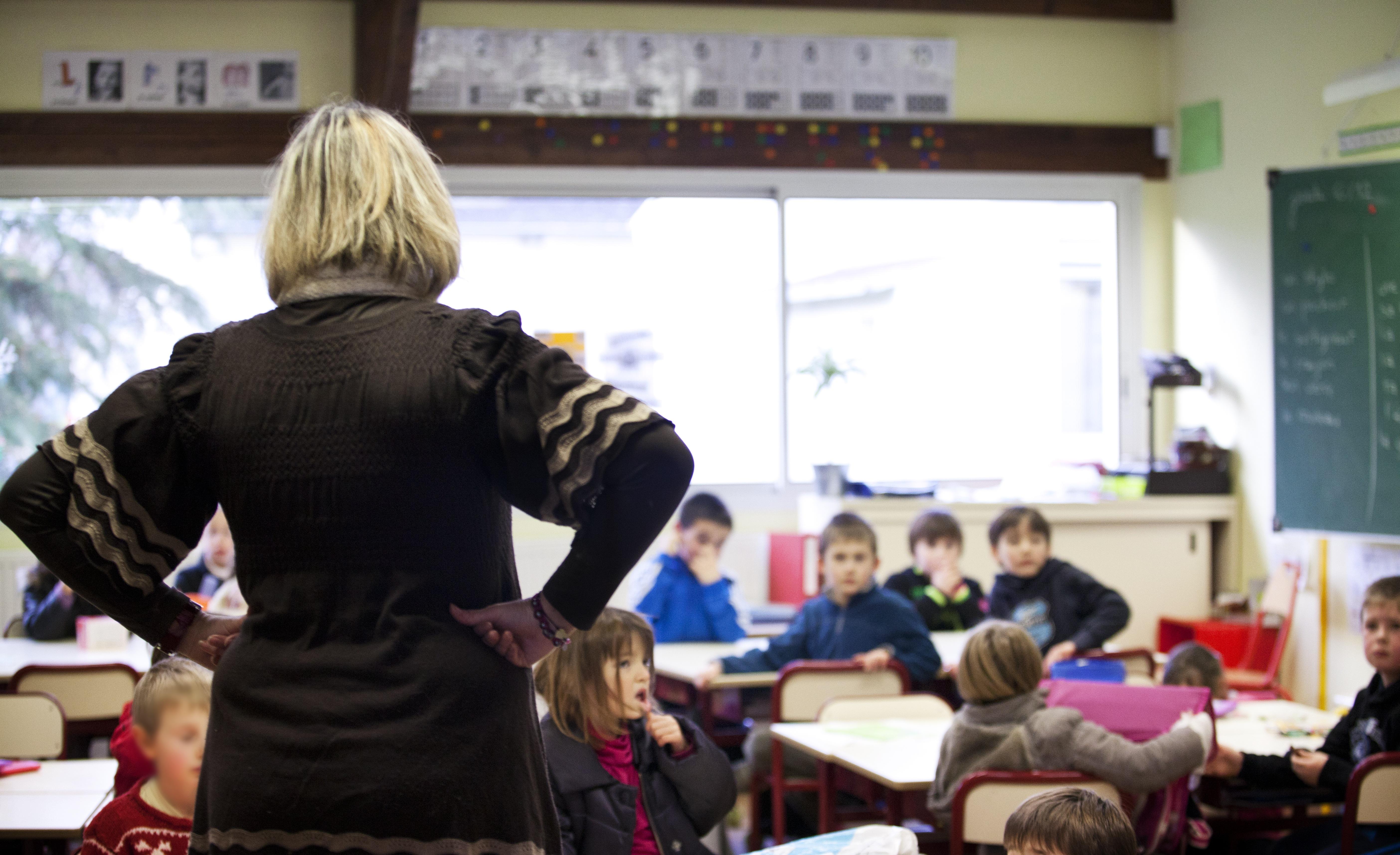Újra járnak iskolába a szerb diákok