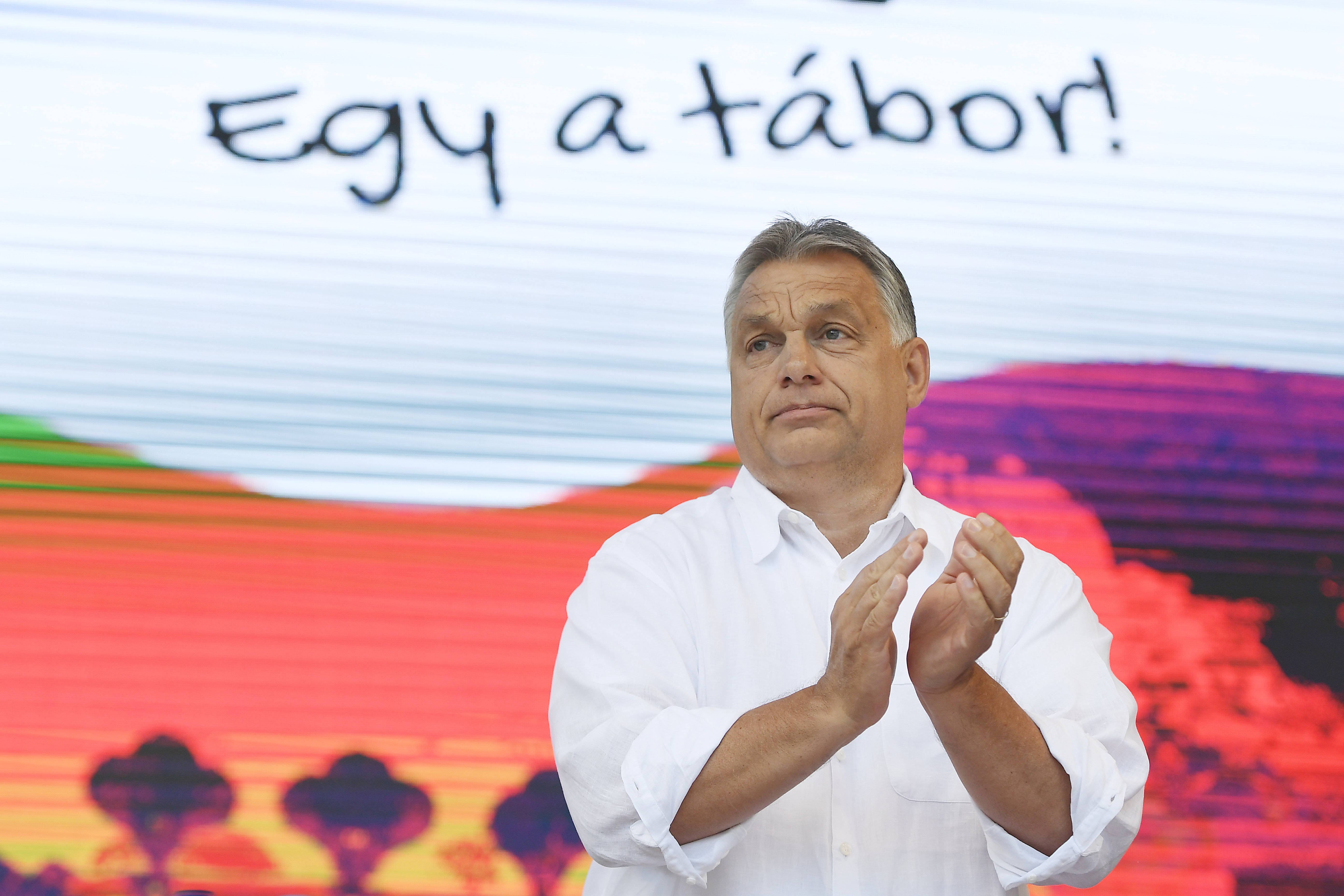 Orbán: Ha fejleszteni akarunk, ne ellenzékieskedjünk