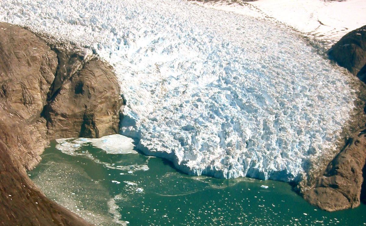 Százszor gyorsabban olvasztja a meleg tengervíz a gleccsereket, mint gondoltuk
