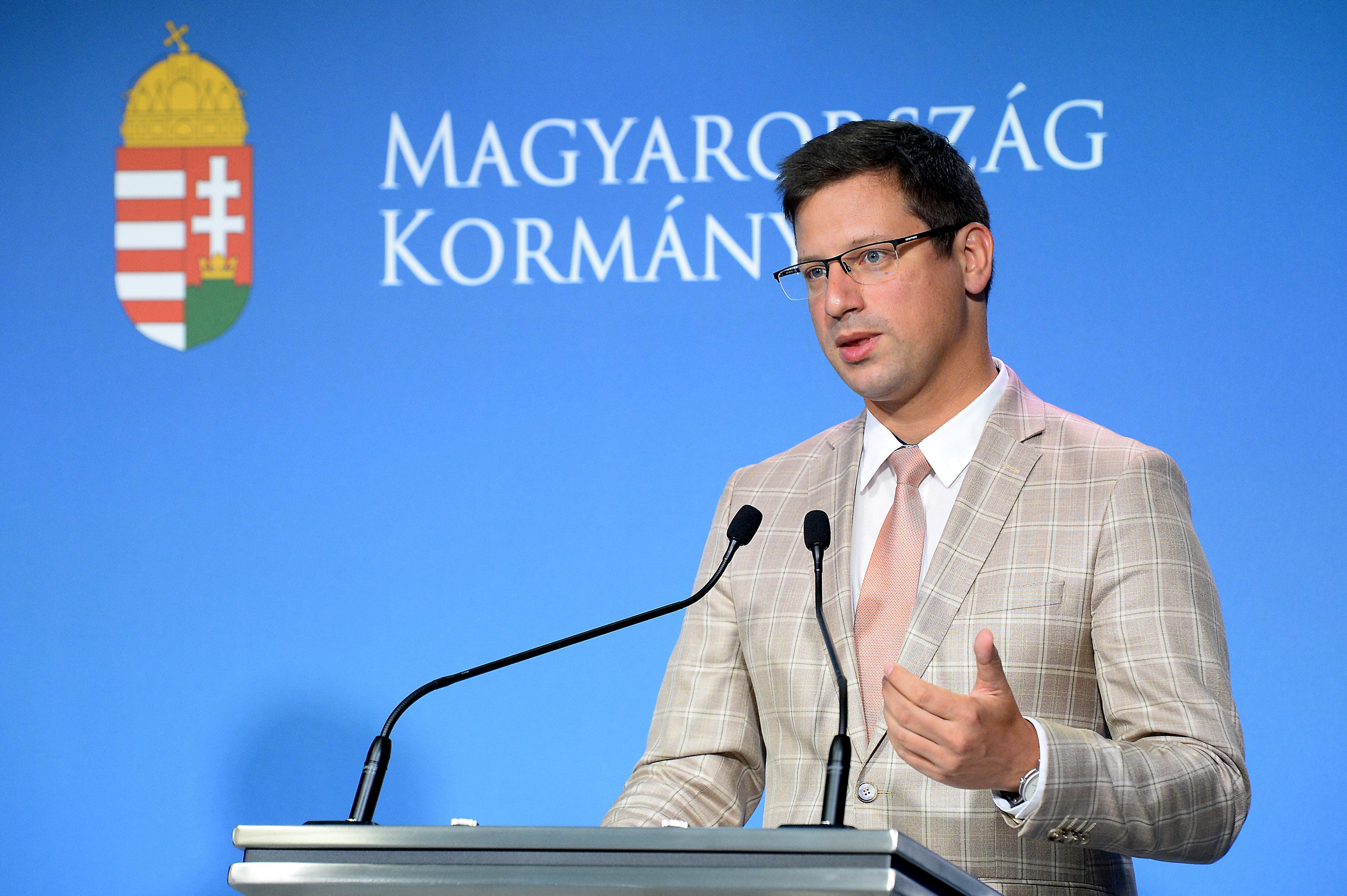 A Választási Bizottság szerint nem gond, hogy Gulyás Gergely azt mondta, ha Karácsony lesz a főpolgármester, Budapest nem kap fejlesztési pénzt