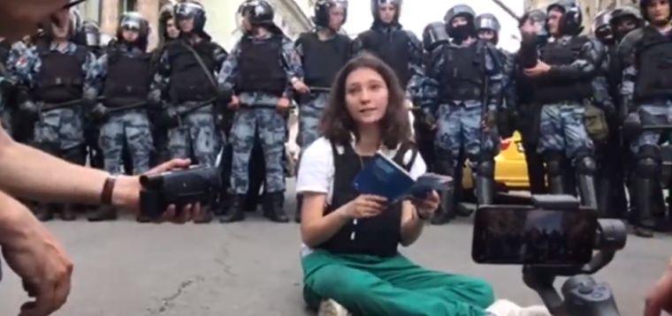 Az orosz Tienanmen-tini szerint a hatalom láthatóan berosált