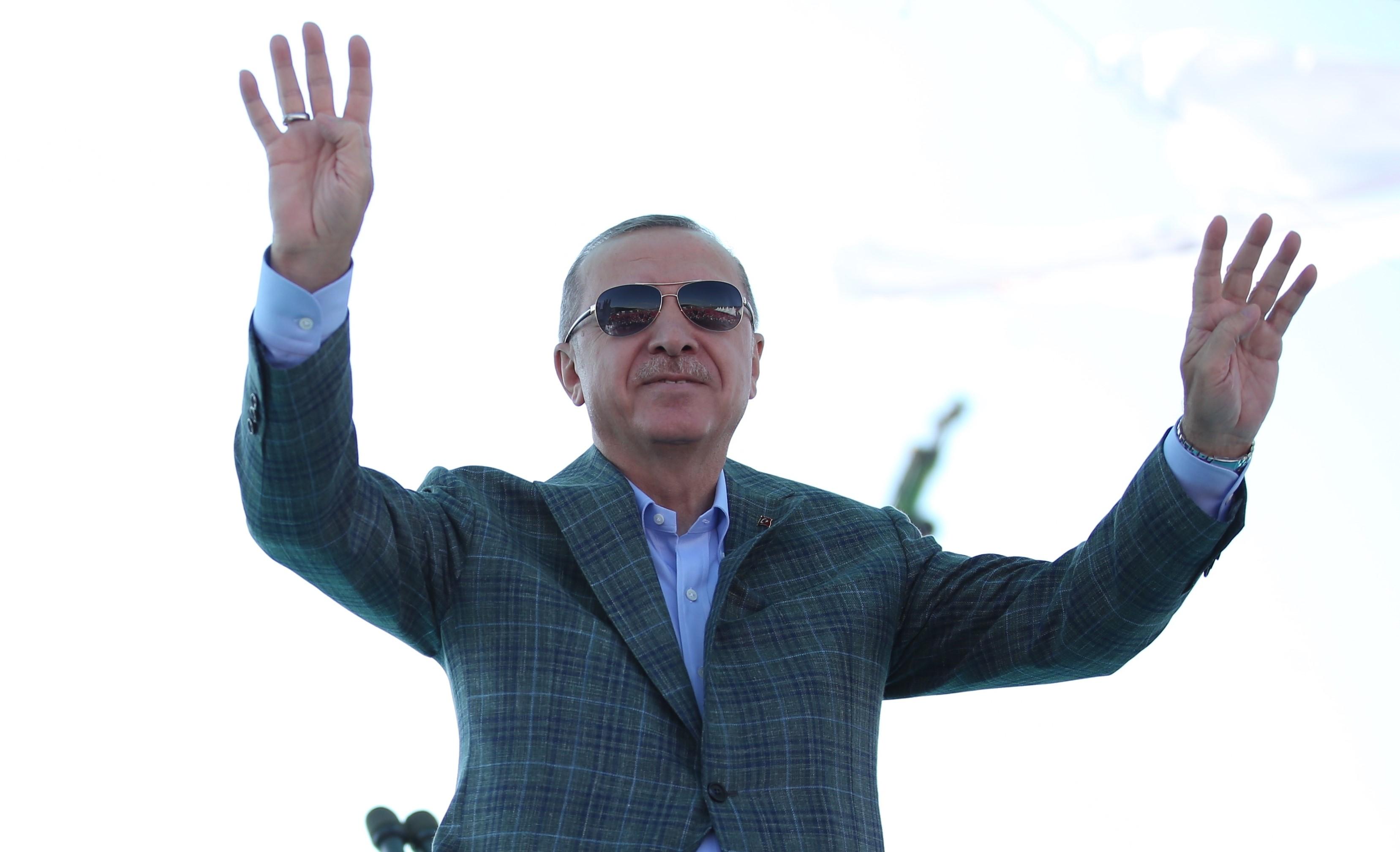 A török oktatási minisztérium büszkén jelentette be 301878 könyv megsemmisítését