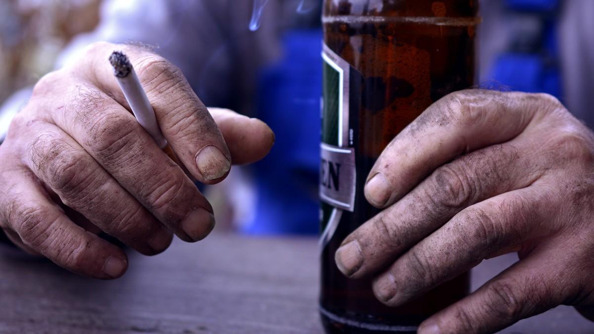 Izzadságmérő bokaszíjjal figyelik meg az alkoholista bűnelkövetőket Hollandiában