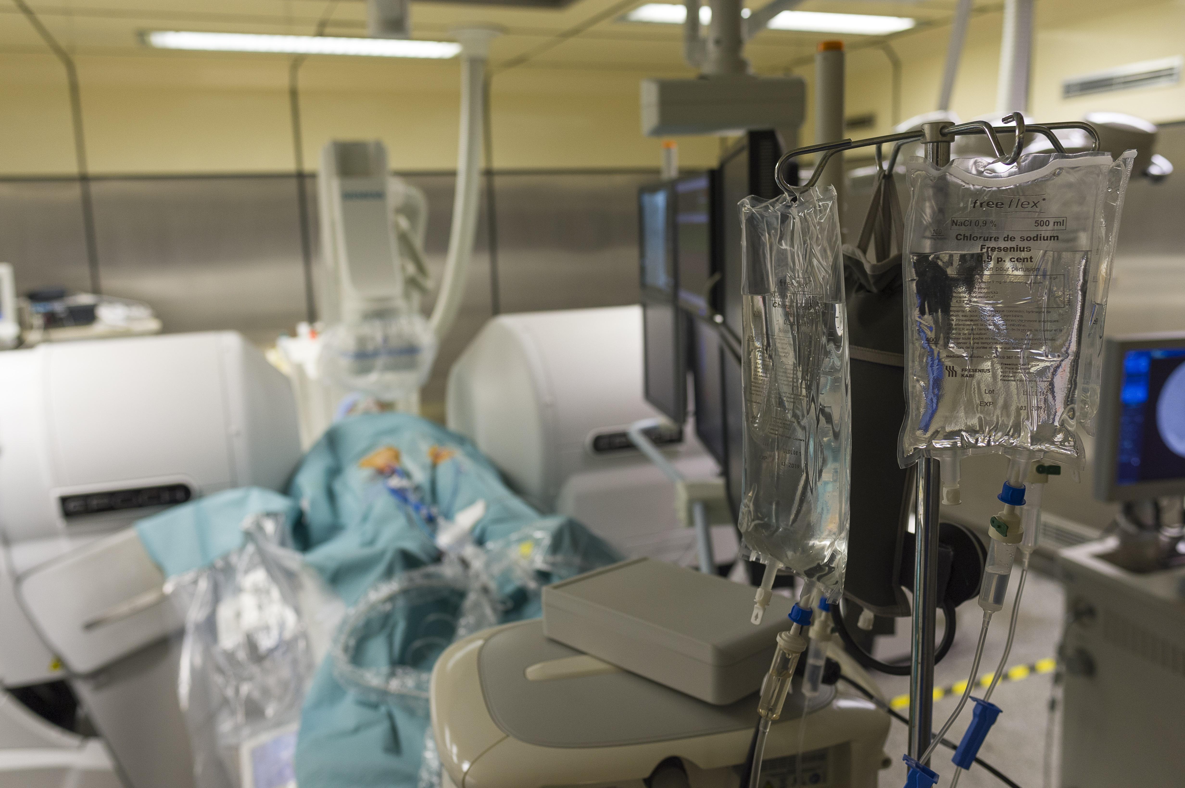 Egy infúziós állvánnyal rendezett vérfürdőt egy beteg egy romániai pszichiátrián