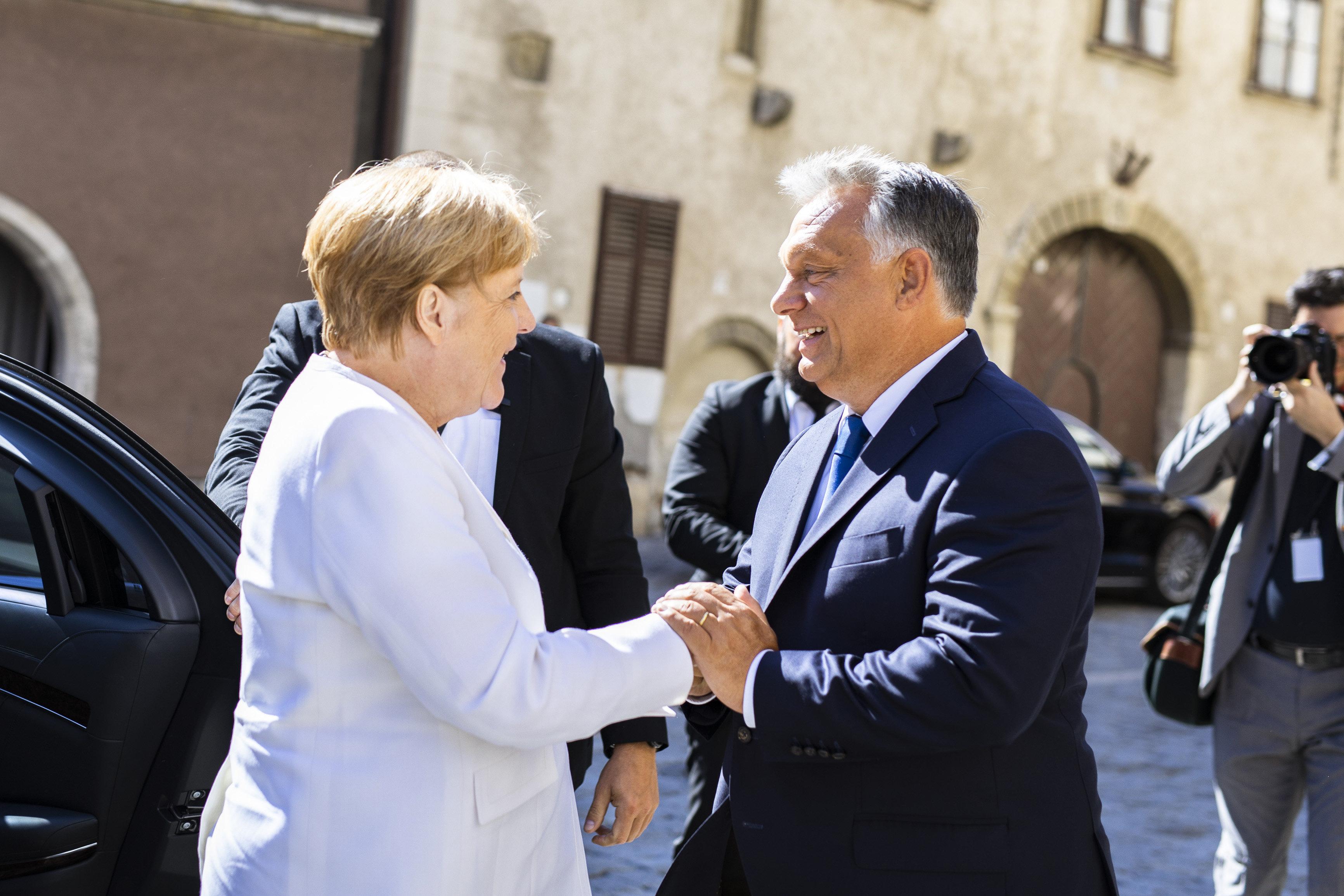 Angela Merkel megérkezett Sopronba