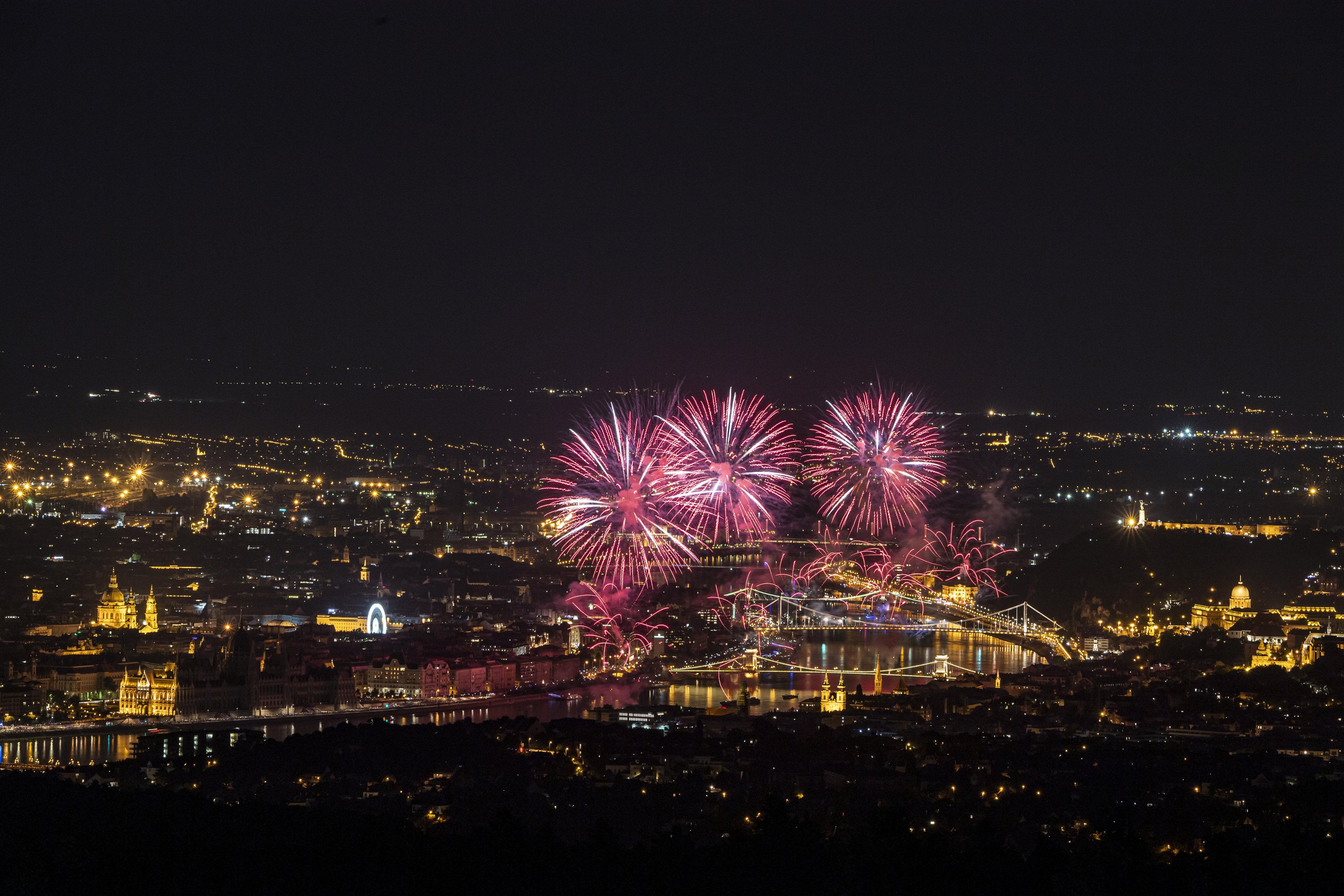 Az Antenna Hungária rendezheti a tűzijátékot