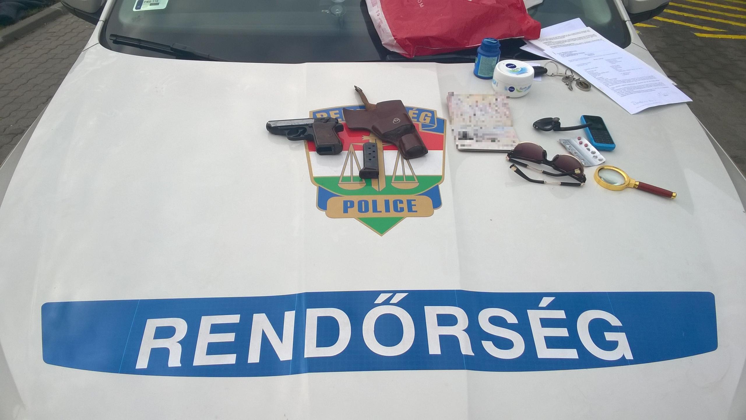 15 évet is kaphat a 65 éves szerb, aki Győrben fegyverrel állított meg egy kocsit, majd rágót és energiaitalt rabolt egy benzinkútról