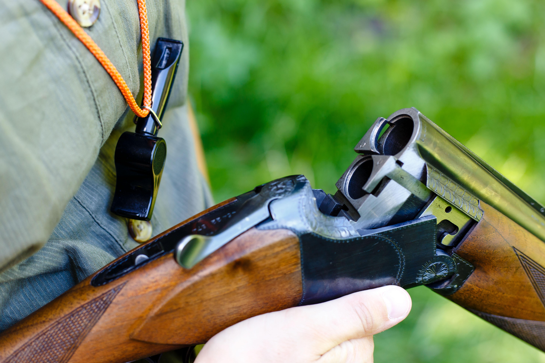 Vádat emeltek egy rendőr ellen, aki egy borsodi vadászaton meglőtt egy kiskorú hajtót