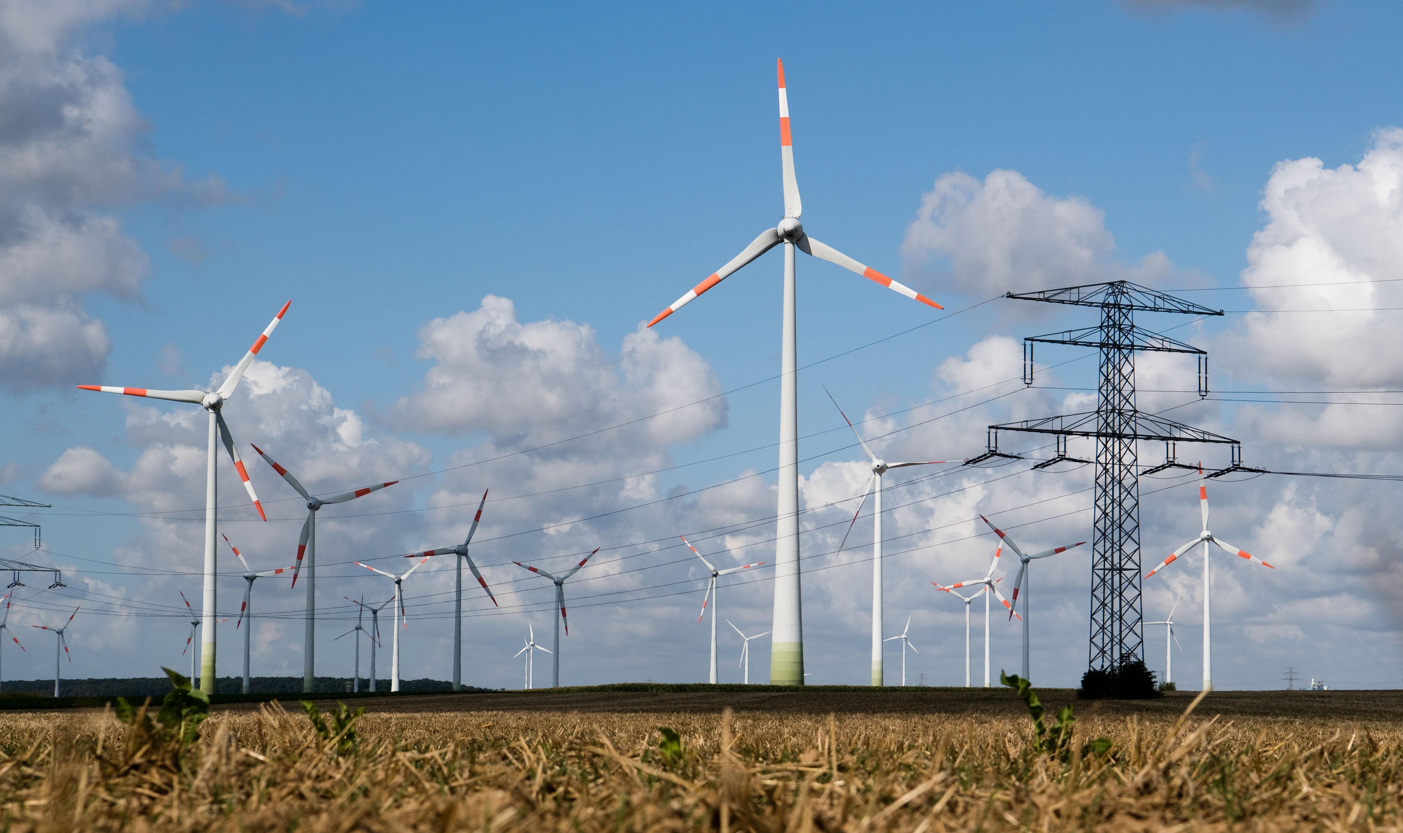 A magyar kormánynak annyira fontos a klímavédelem, hogy továbbra is ellehetetleníti a szélerőművek-építését