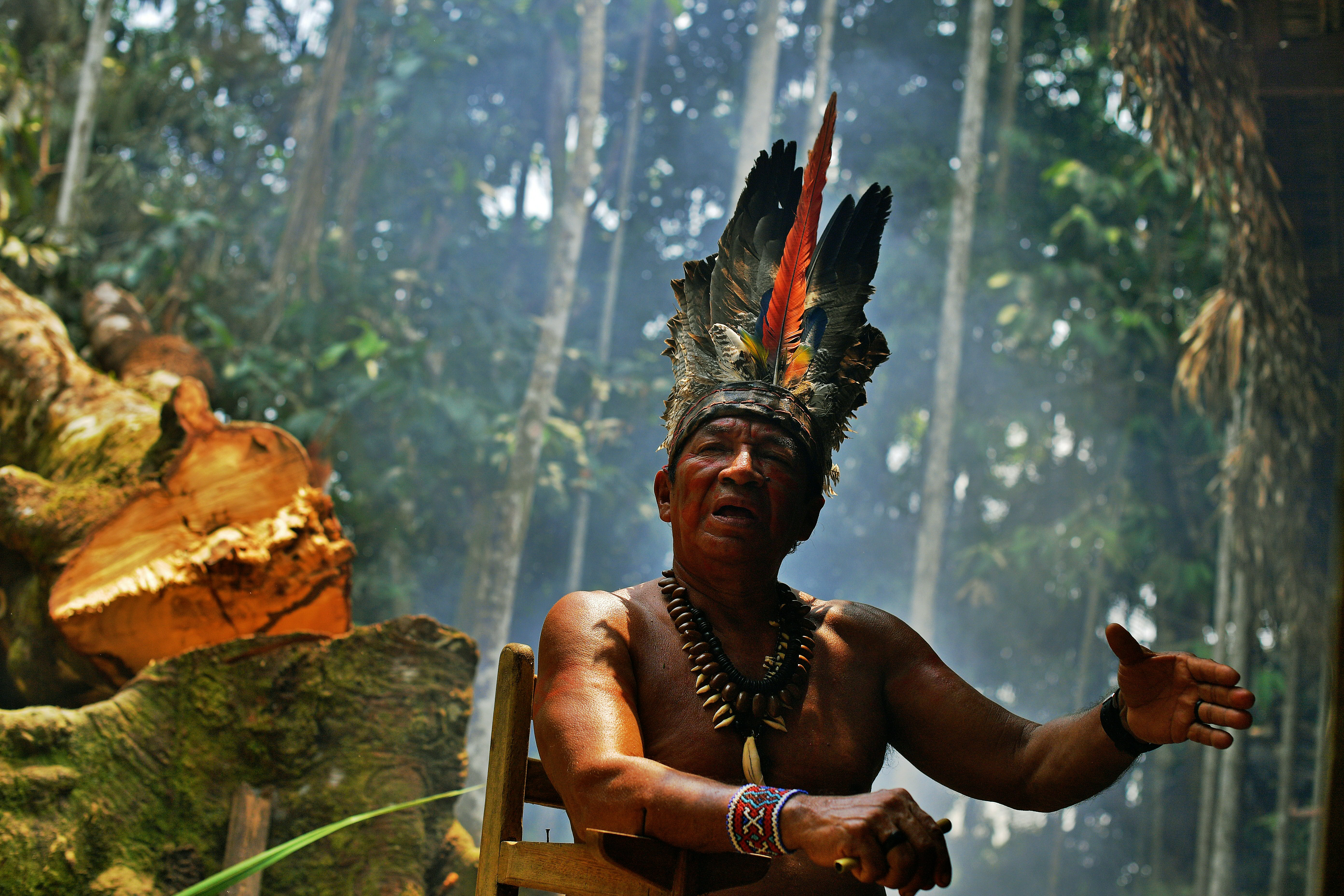 Őslakosok ellen vívott véres harcok ágyaztak meg az Amazonas erdőtüzeinek