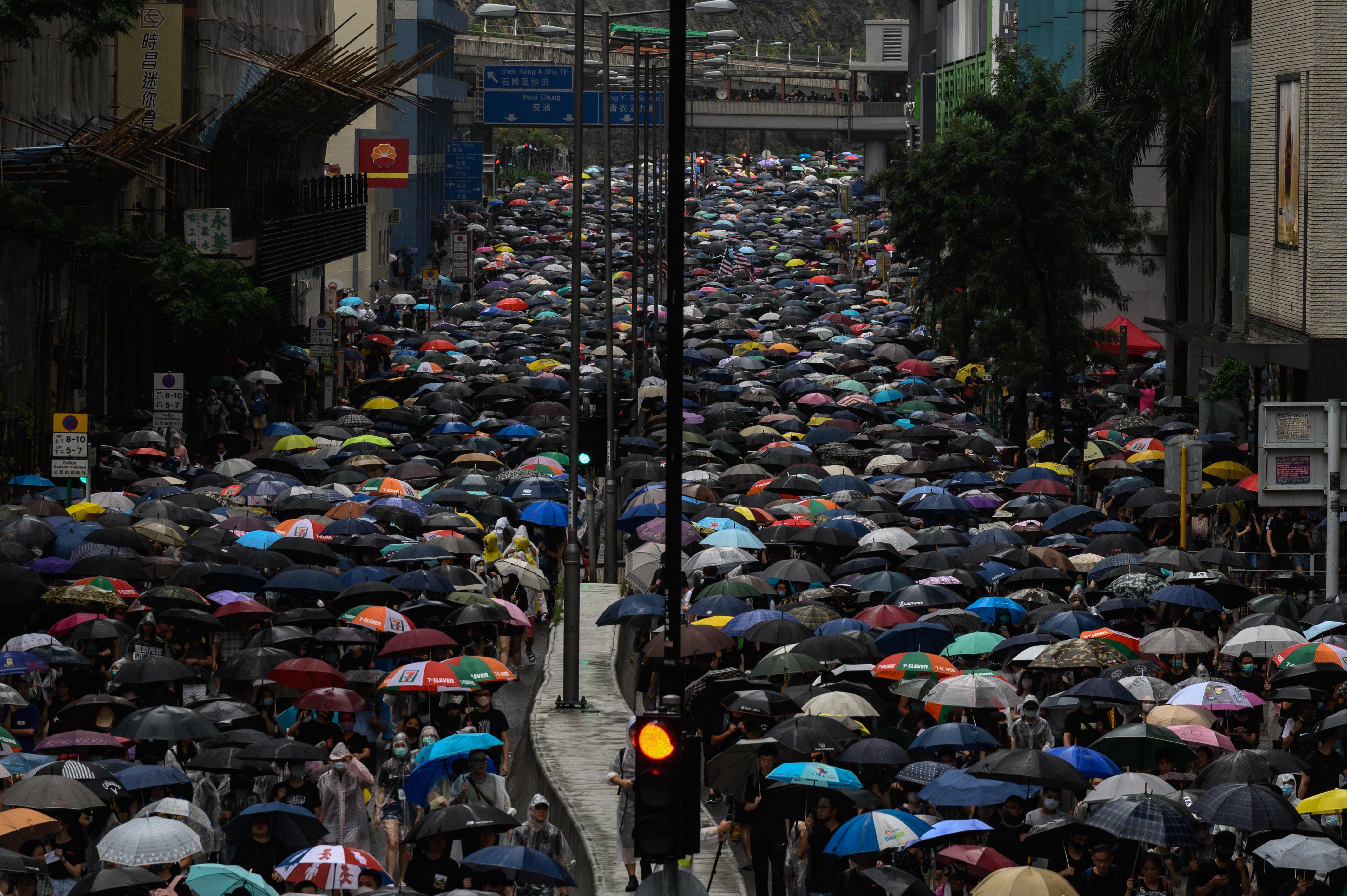 Ellenzéki aktivistákat tartóztattak le Hongkongban a hétvégi tüntetések előtt