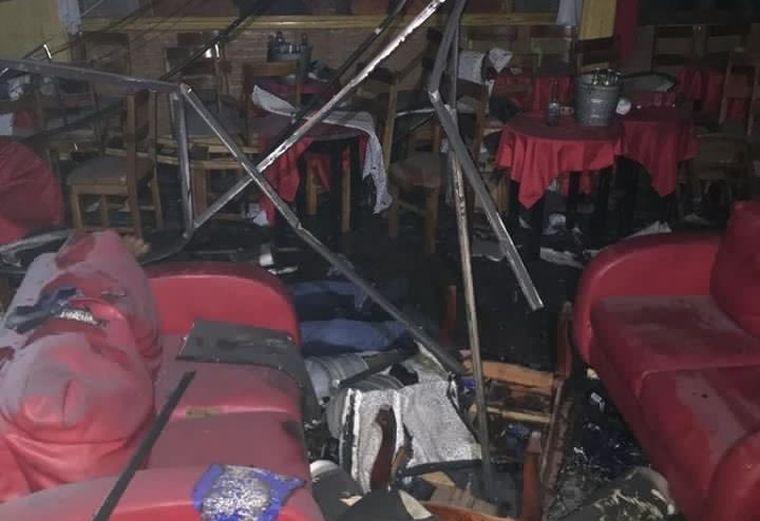 Rágyújtottak egy bárt a mulatókra Mexikóban