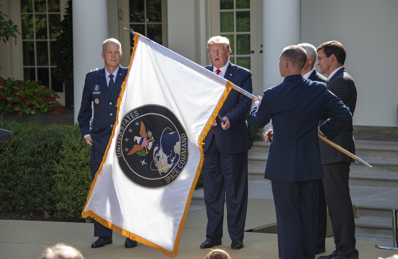 Trump létrehozta az amerikai hadsereg űrparancsnokságát