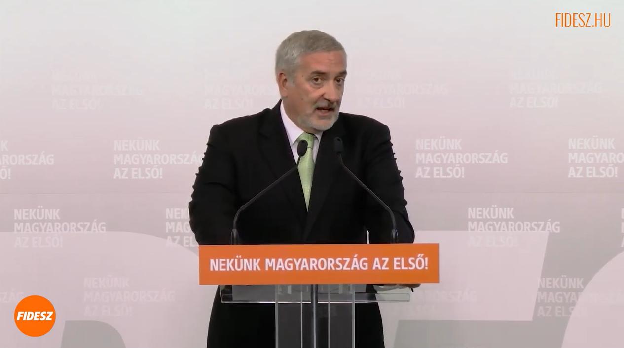 """Fidesz-kampány indul, mert """"Gyurcsányék lebontanák a kerítést, és beengednék a migránsokat"""""""