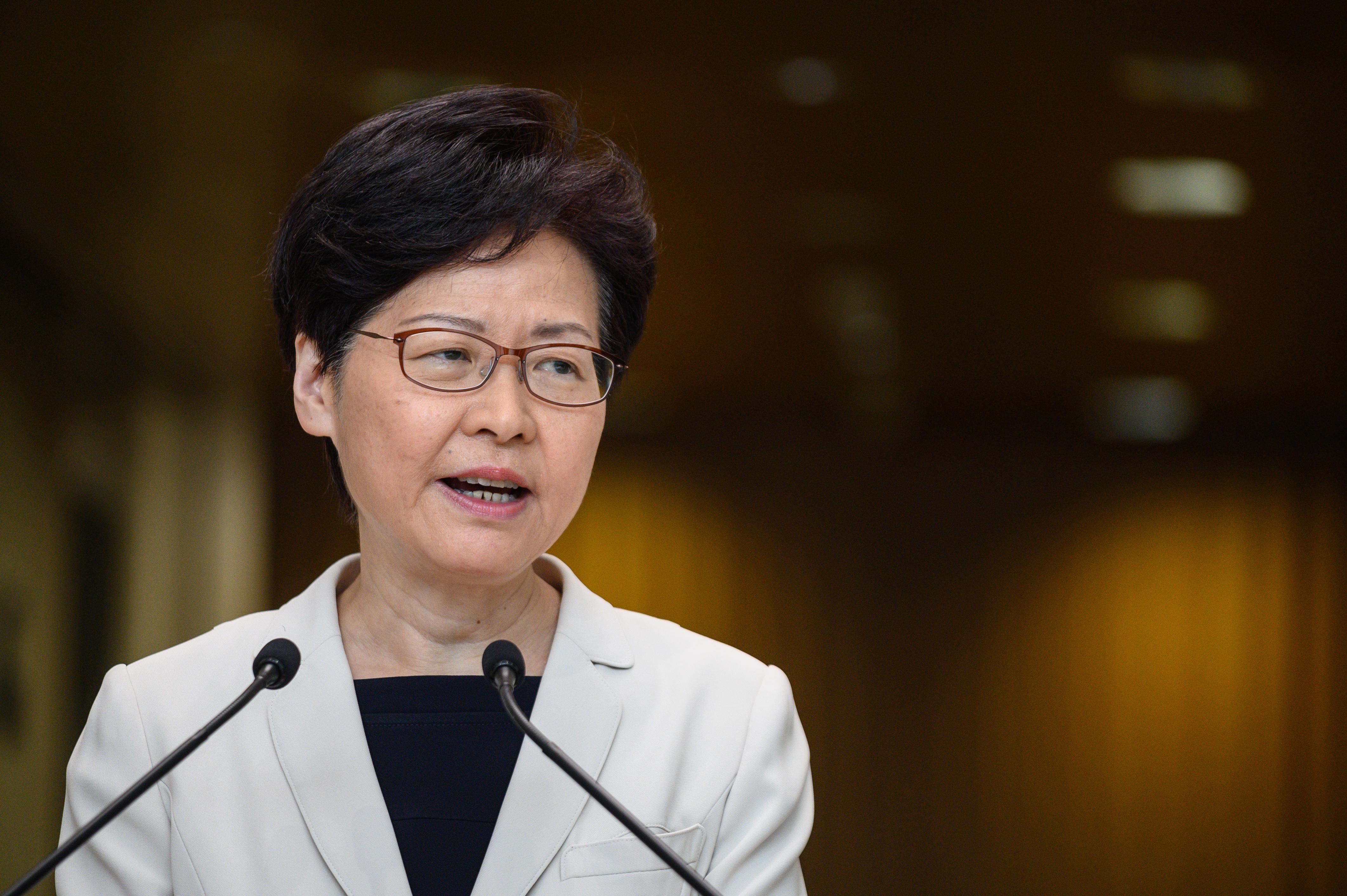 Hongkong kormányzója egy hangfelvétel szerint arról beszélt, hogy lemondana, ha lenne választása