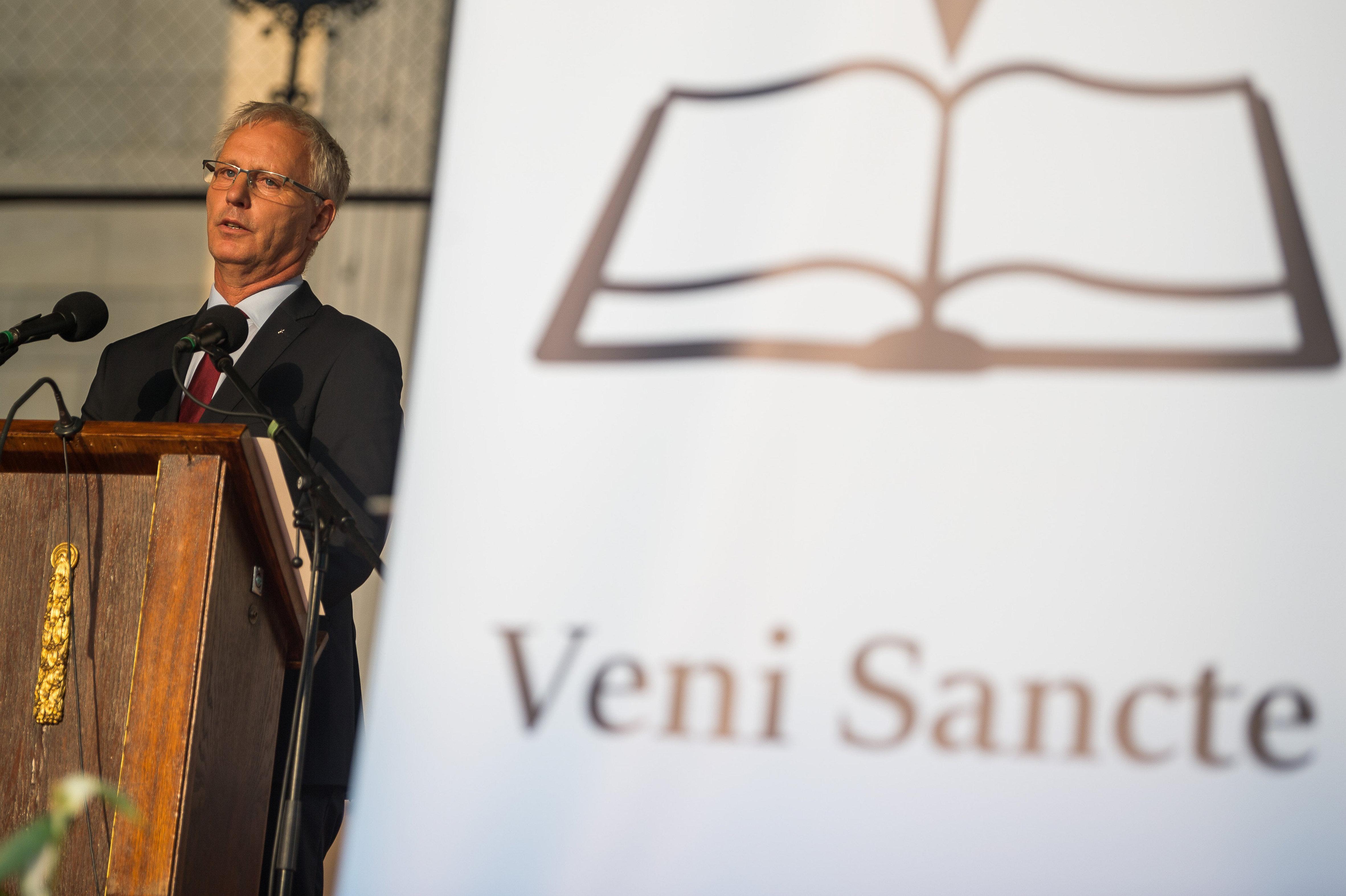 A katolikusok már ősztől átvennének egy balatonfüredi általános iskolát, az evangélikusok csak jövőre
