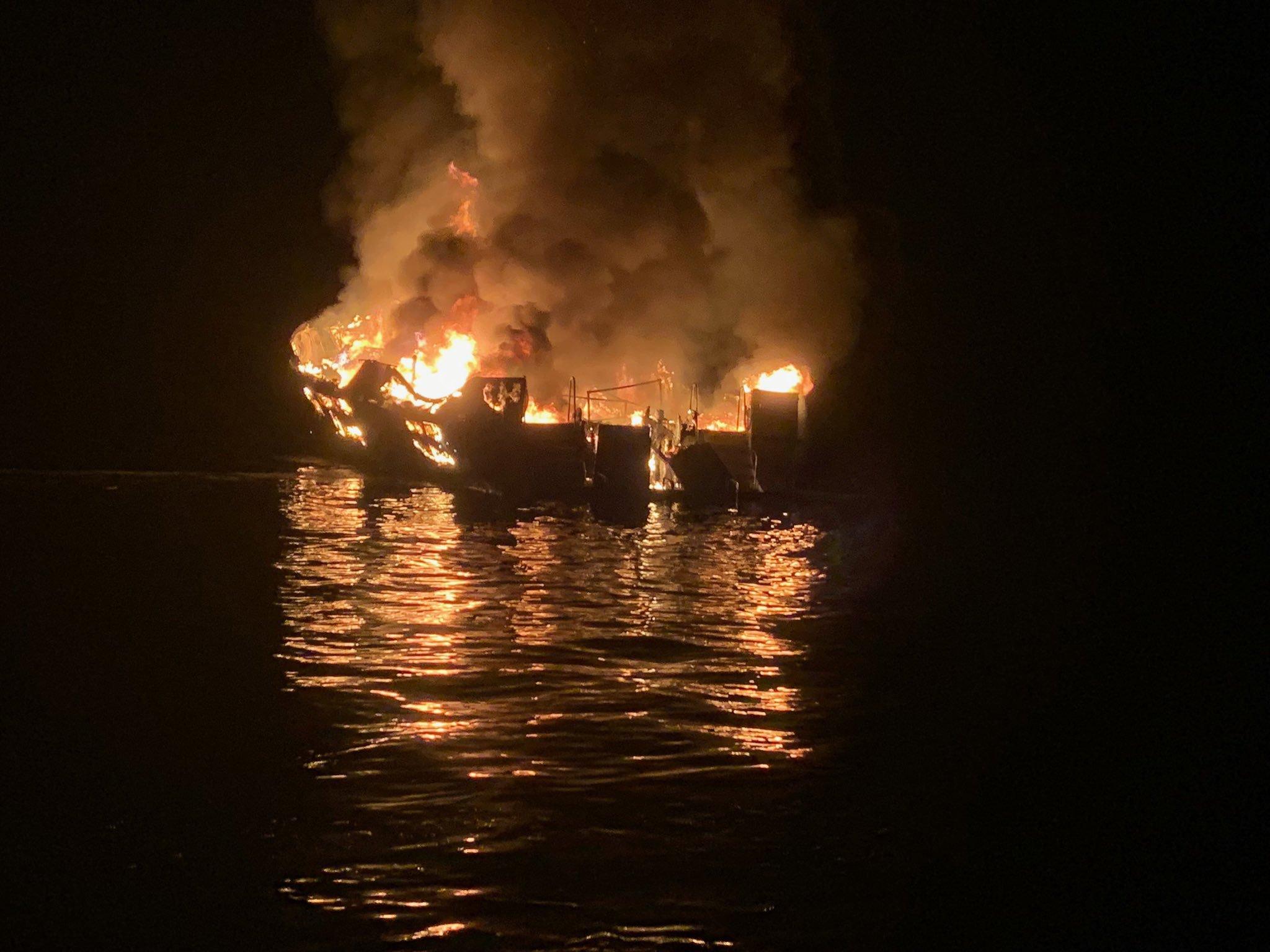 Senki se volt ébren a kigyulladt hajón, amelyen 34 ember lelte halálát
