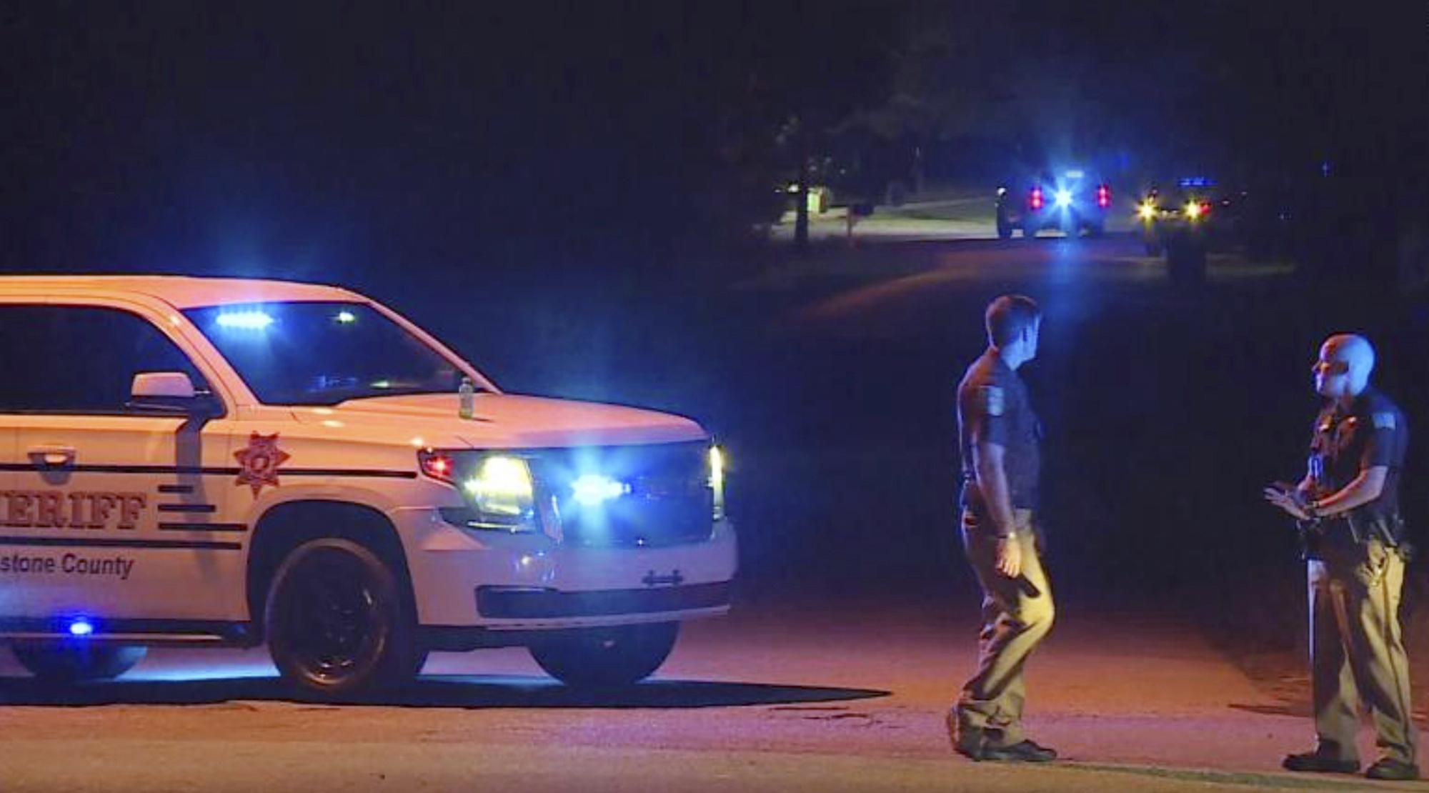 Egy 14 éves alabamai fiú agyonlőtte öt családtagját