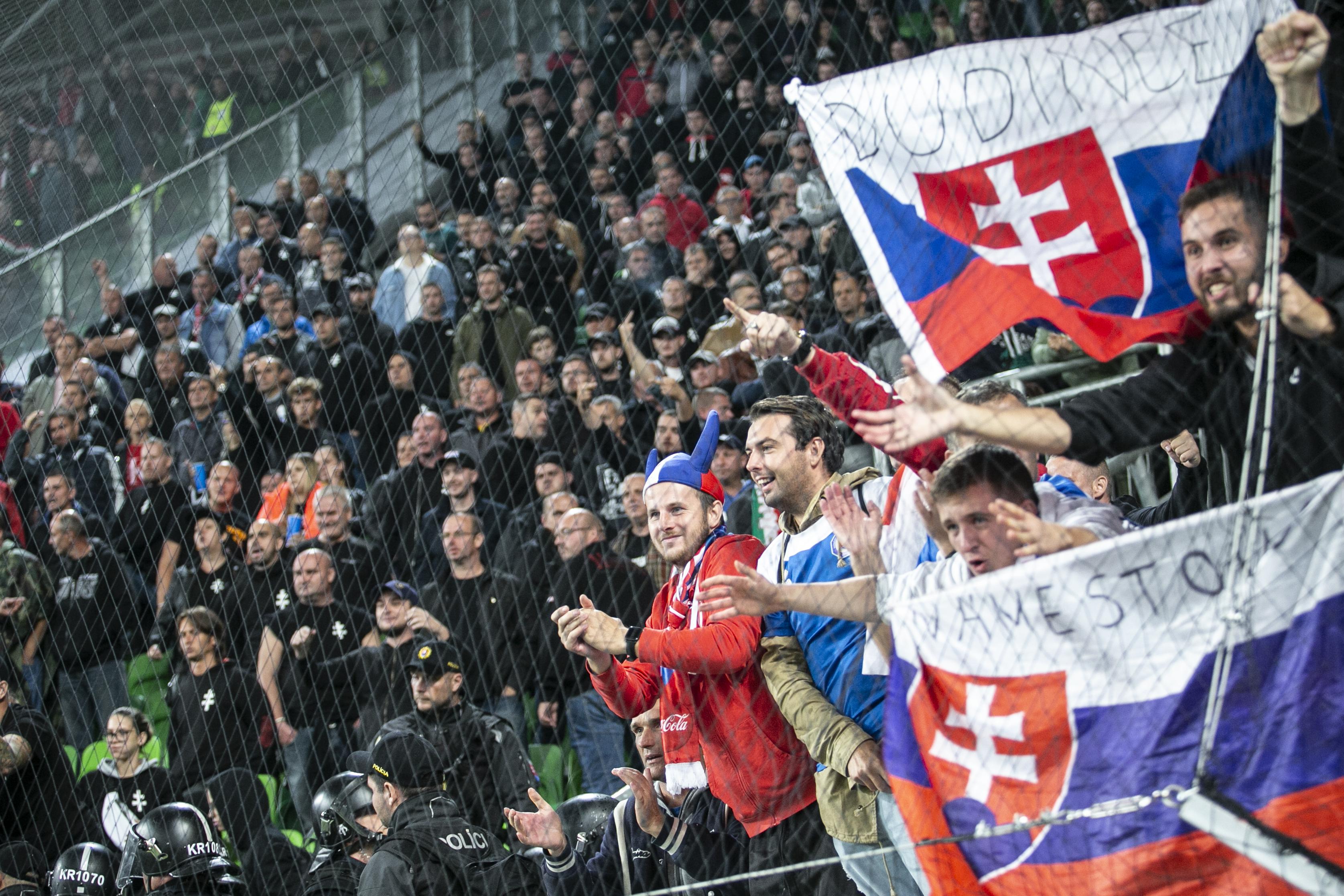 """Sok volt a """"szar Szlovákia"""", büntetésből zárt kapuk mögött játsszuk az EB-selejtezőt Azerbajdzsán ellen"""