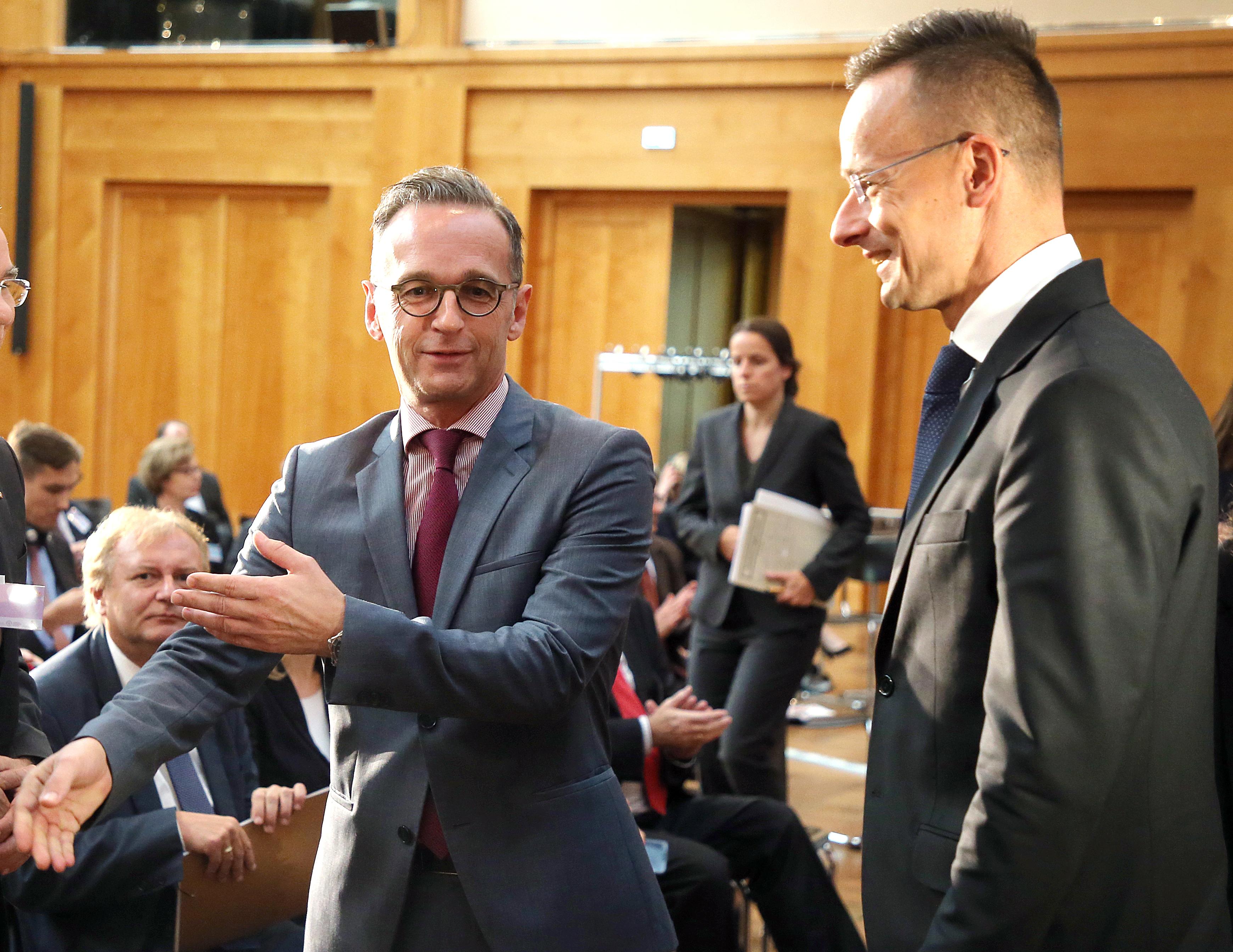 A fiataloknak kell majd hidakat építeni ott, ahol mások ma kerítéseket húznak fel – mondta a német külügyminiszter a Magyar-Német Ifjúsági Fórumon
