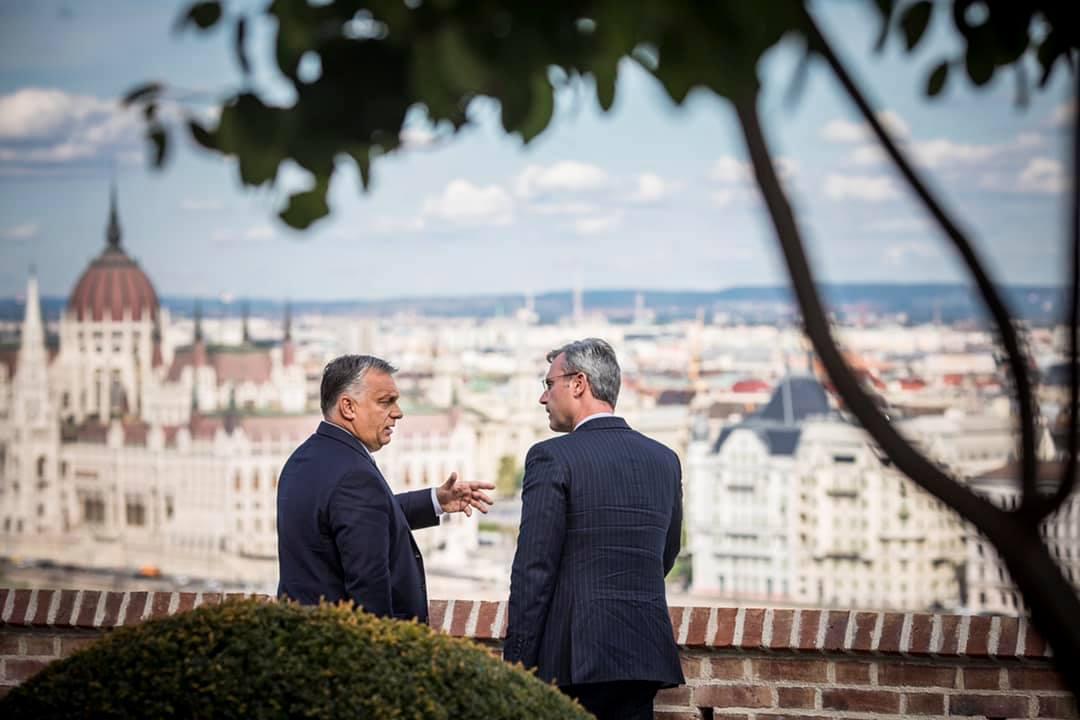 Orbán reméli, hogy az új osztrák kormány nemet mond a politikai iszlámra