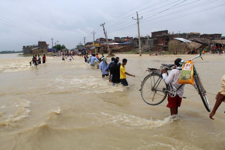 Kétszer annyian menekülnek el szélsőséges időjárás miatt, mint a fegyveres konfliktusok elől