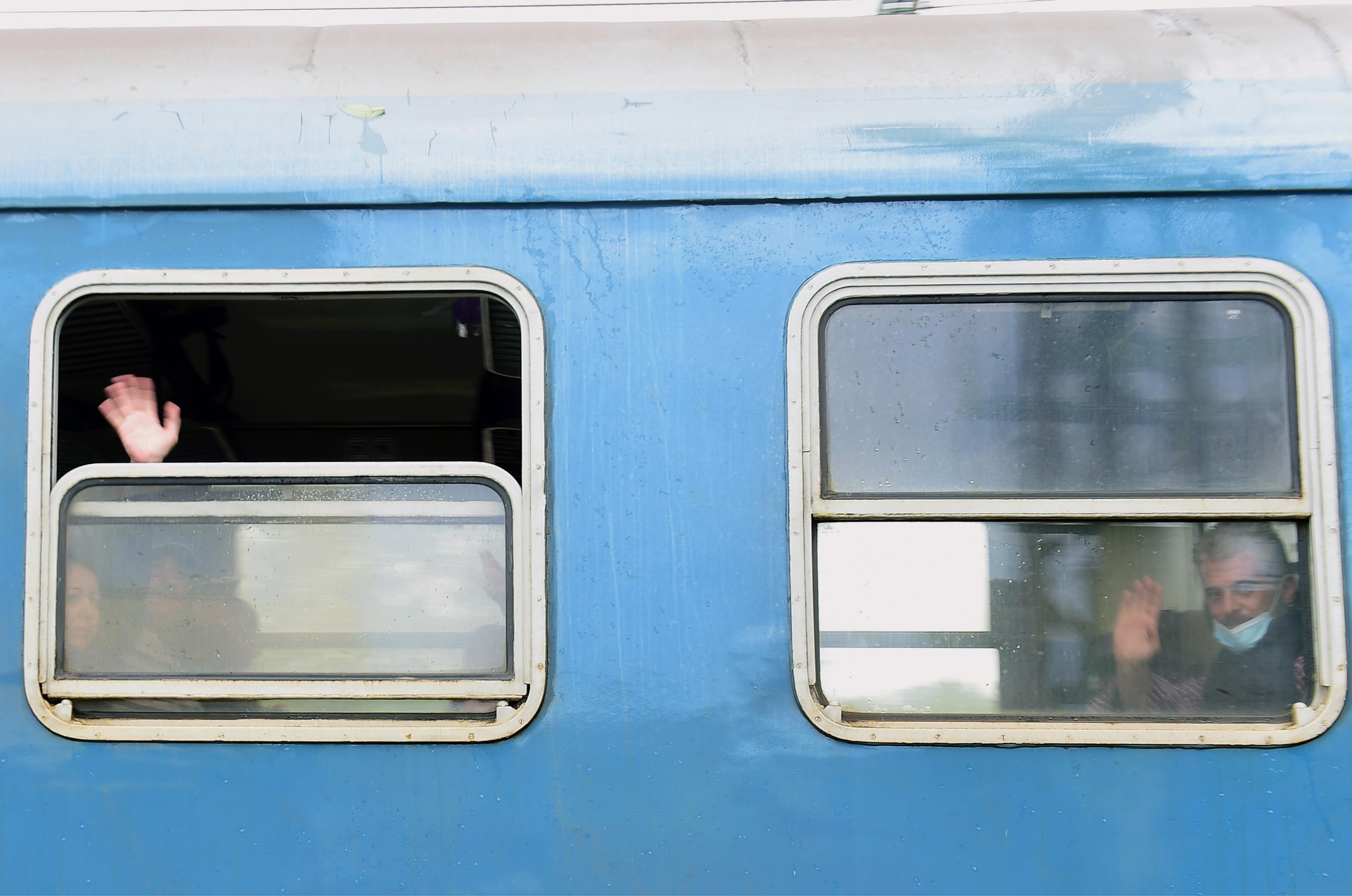 A Parlament felrobbantásával fenyegetőzött egy részeg utas  a vonaton, mert nem kapott ülőhelyet Tatabányán