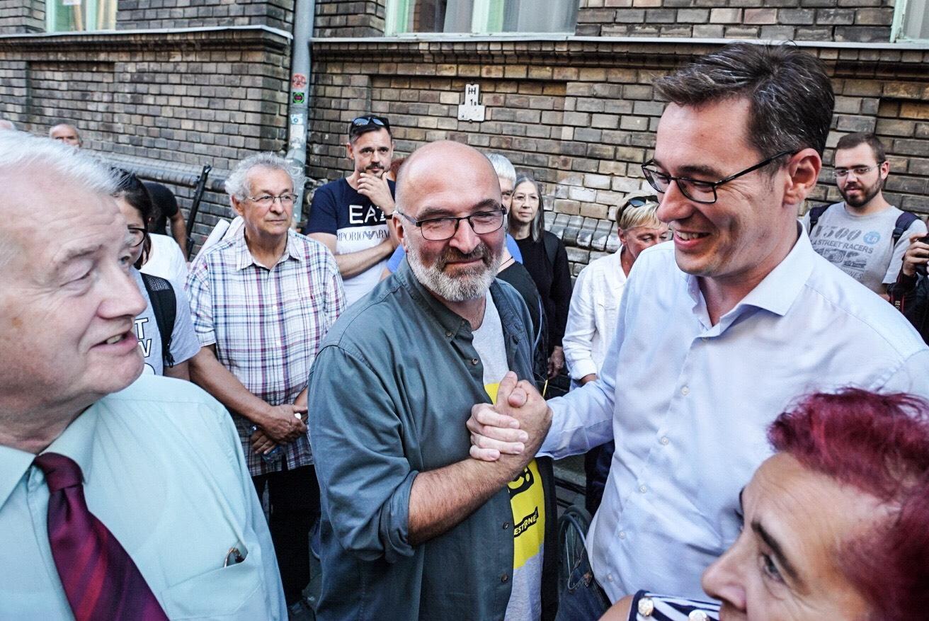 A rendőrség megszüntette a nyomozást Pikó András kampánystábja ellen