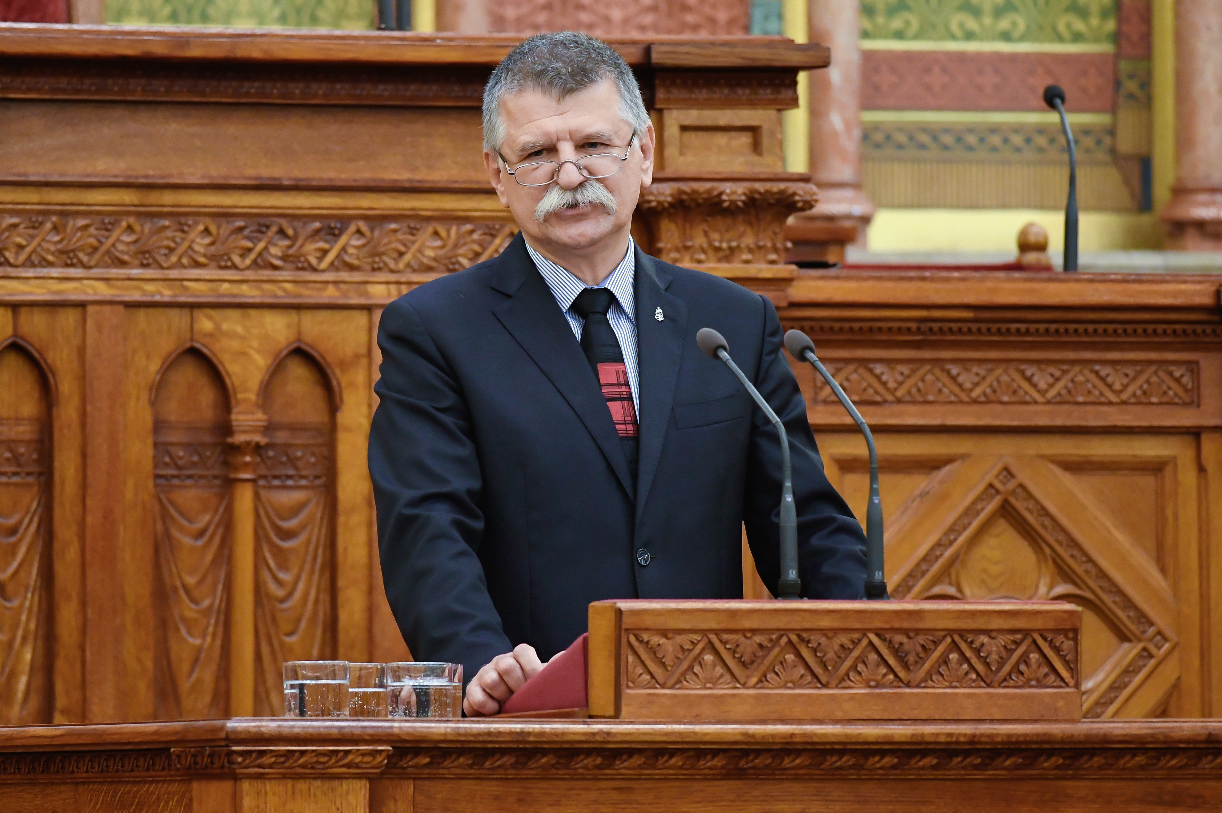 Kövér László fizetése 290 ezer forinttal nő, de a márciusi emeléssel a többi parlamenti képviselő is jól jár