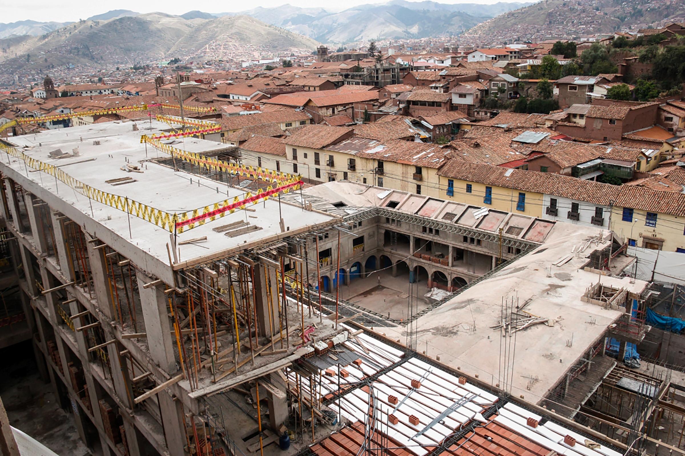 Peruban le kell bontani egy szállodát, mert inka romokra épült