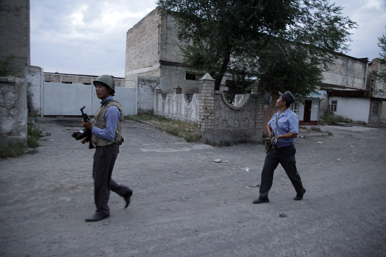 Lövöldözés tört ki kirgiz és tádzsik határőrök között, négy halott, sok sérült