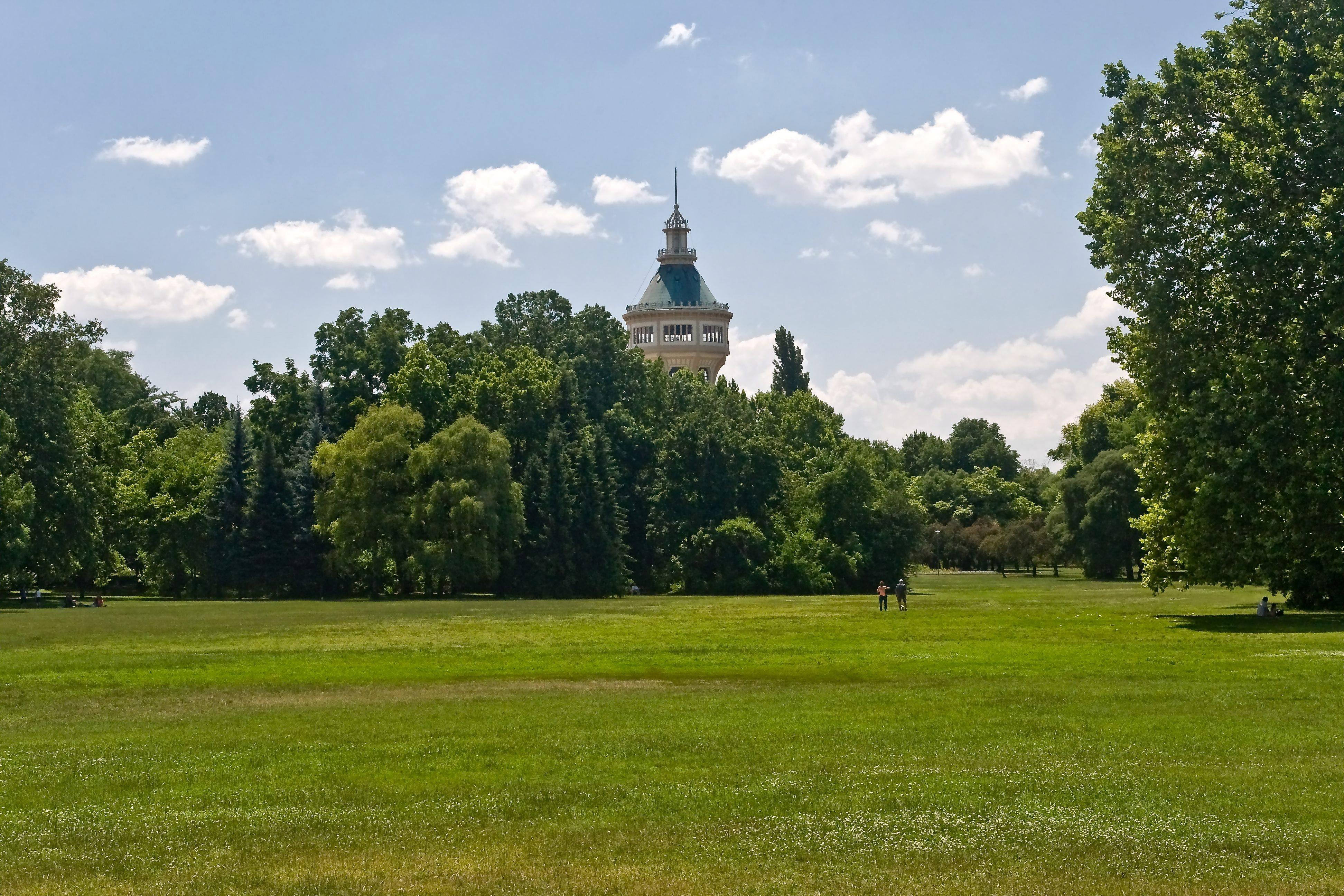 A hétvégén megnyitnak a parkok, de Karácsonyék kérik, ügyeljen mindenki a távolságtartásra