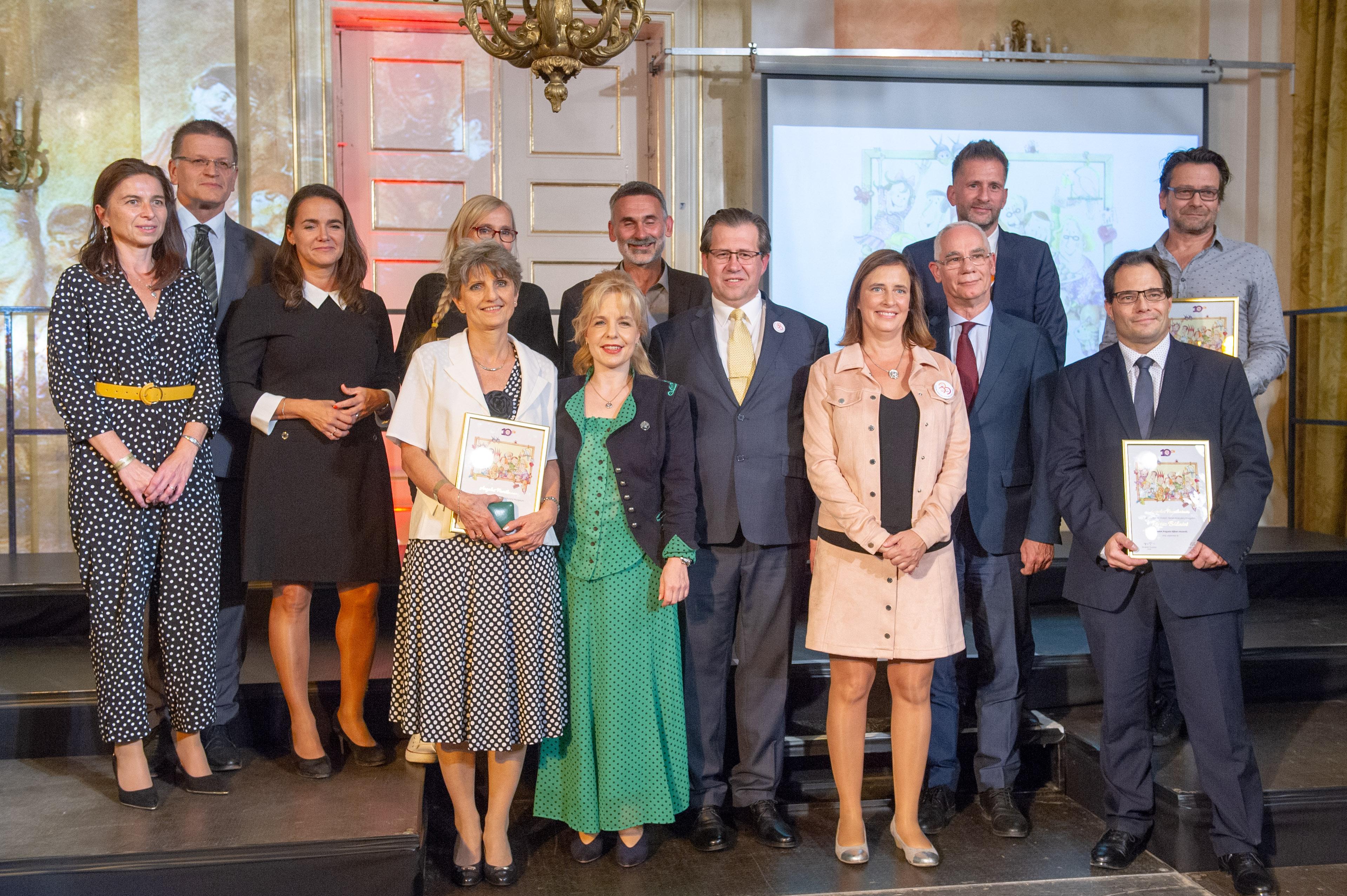 Balog Zoltán és Lovasi András is Családok Angyala-díjat kapott