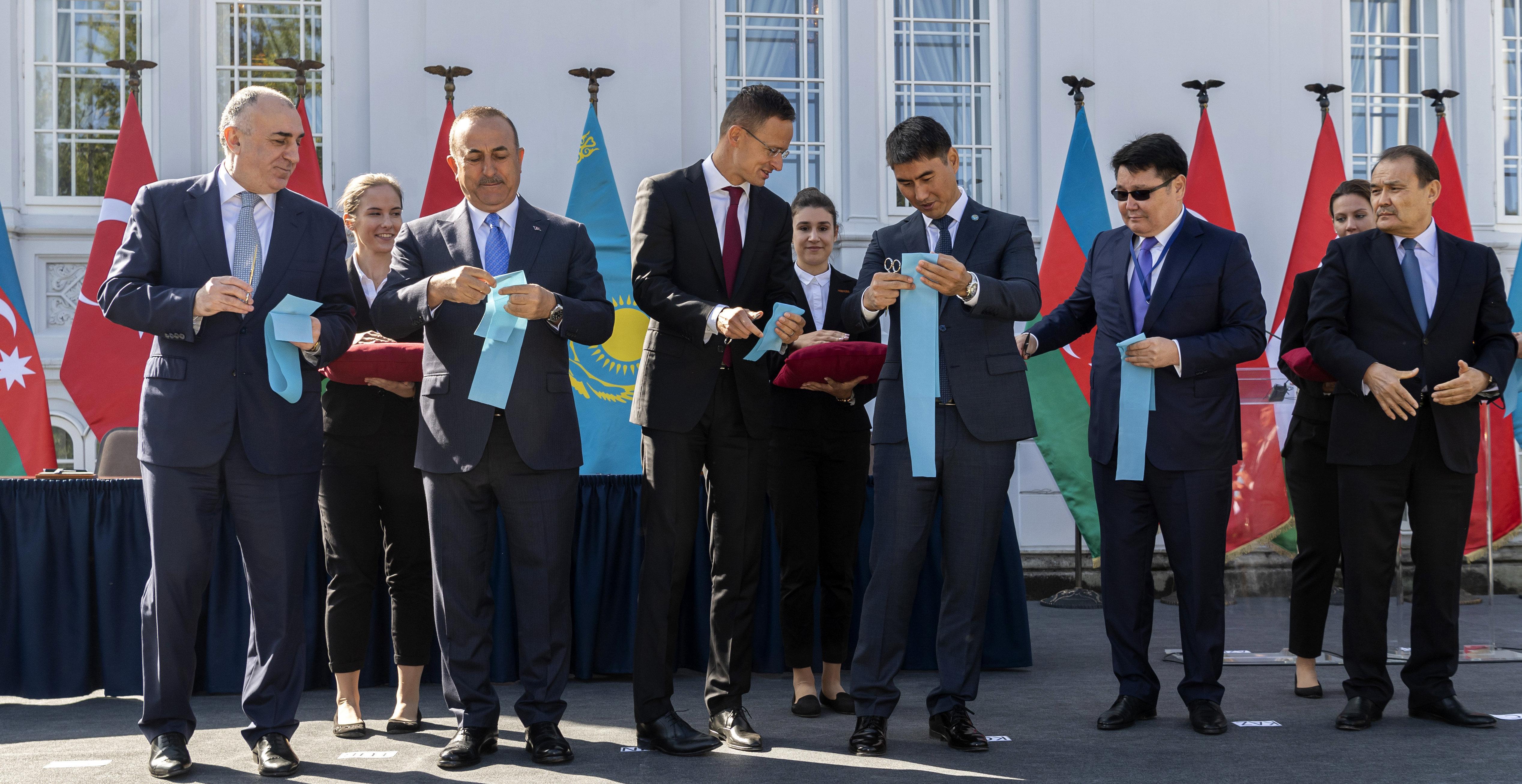 Eddig 500 millióba került a magyar államnak a Türk Tanács irodája